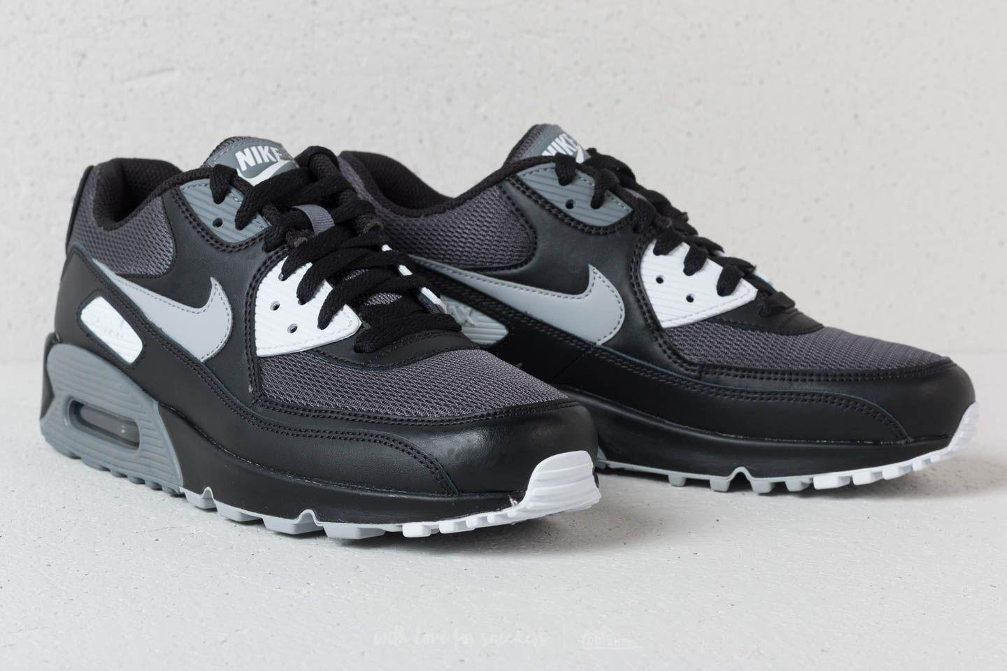 sports shoes 1a268 1e563 Gallery. Previously sold at  Footshop · Men s Air Max 90 Sneakers
