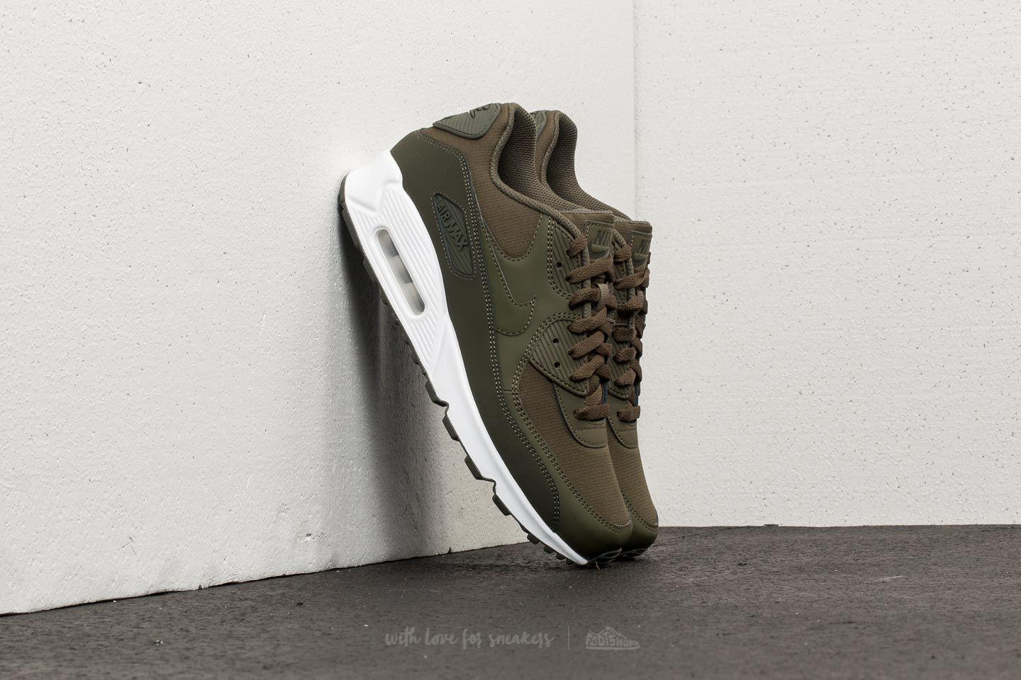 sports shoes 9c444 cf8c0 Gallery. Previously sold at  Footshop · Men s Air Max 90 Sneakers