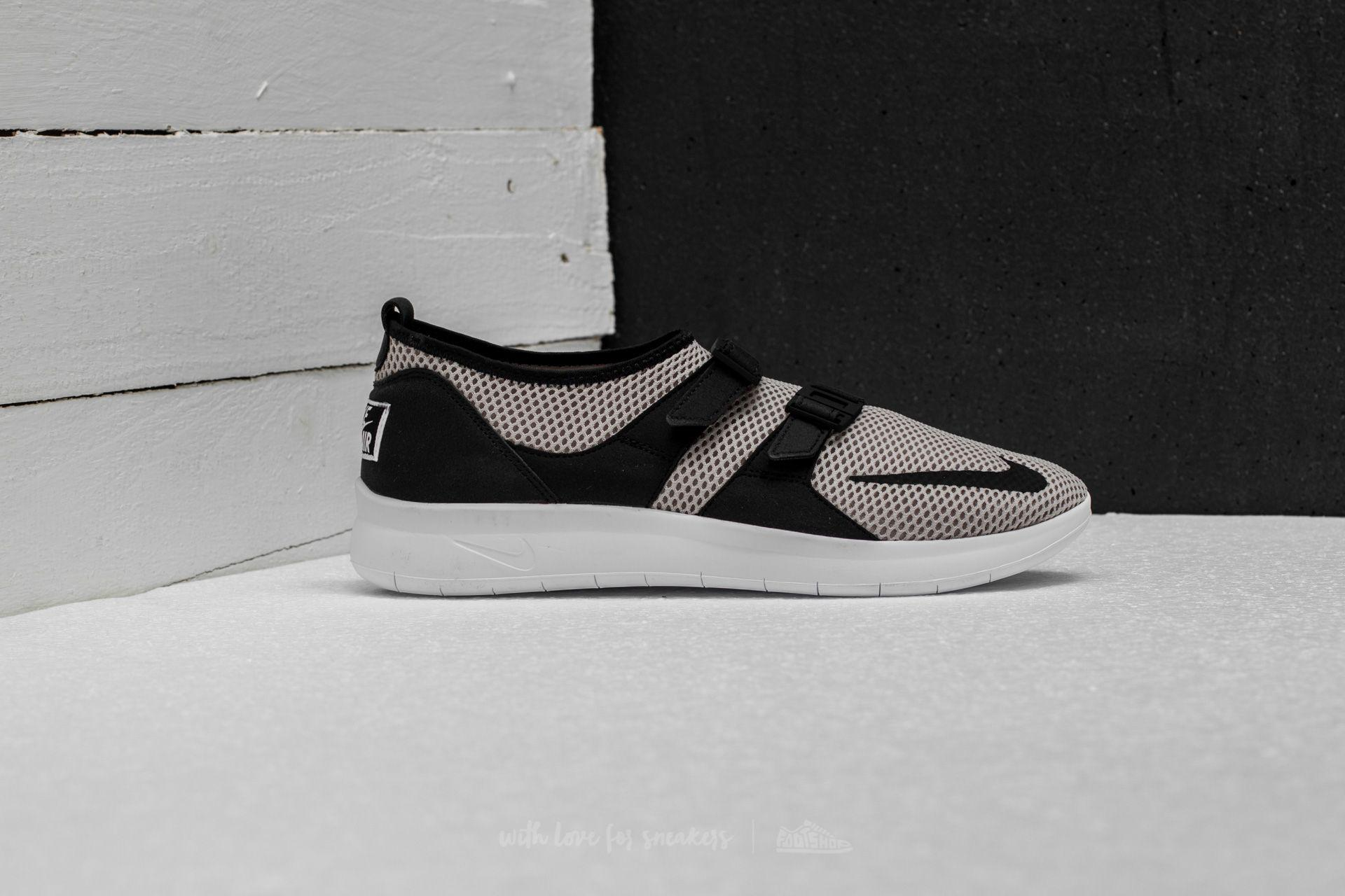 6a09f6a18508 Lyst - Nike Air Sockracer Se Cobblestone  Black-white-volt in Black ...