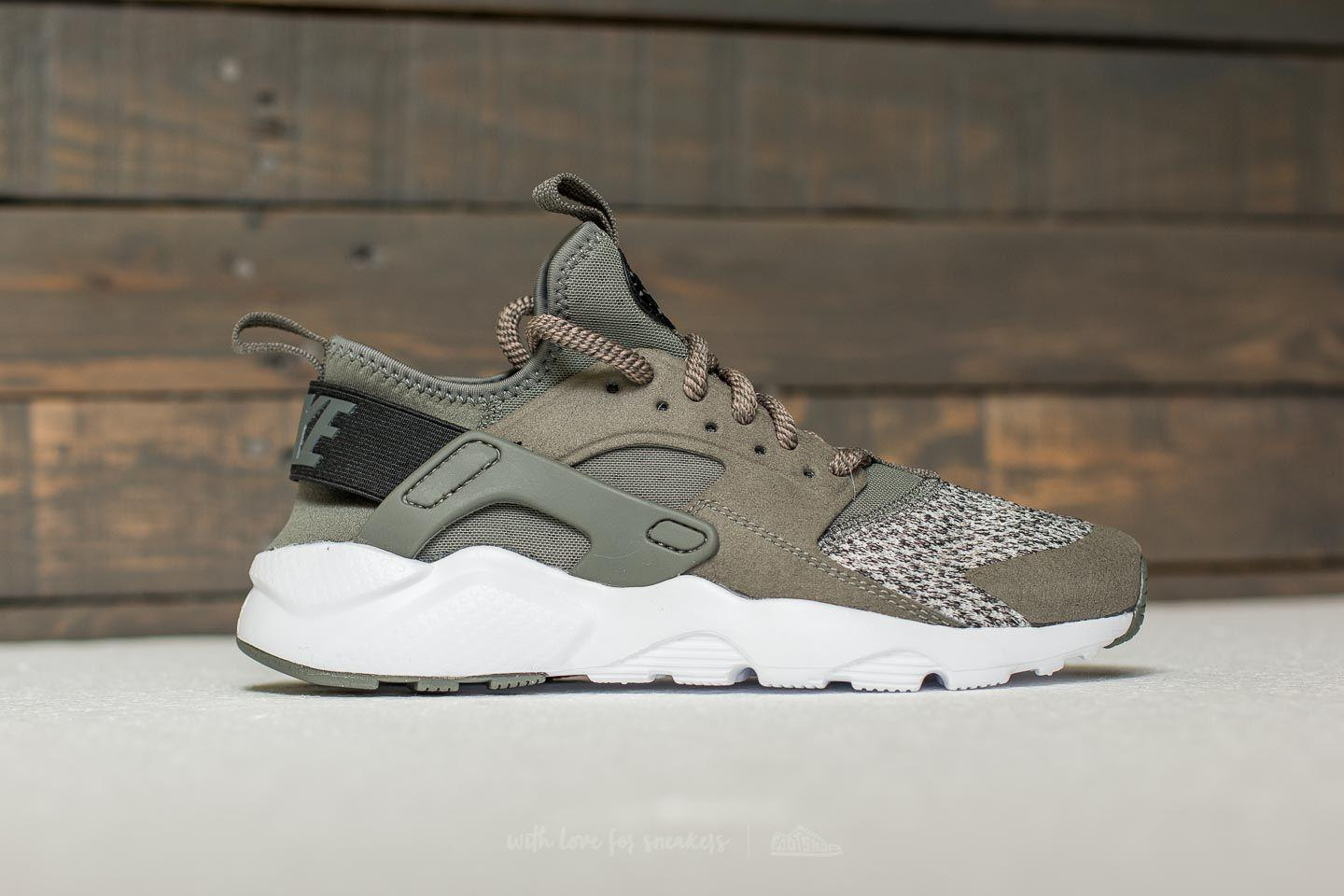 Gallery. Previously sold at: Footshop · Men's Nike Huarache
