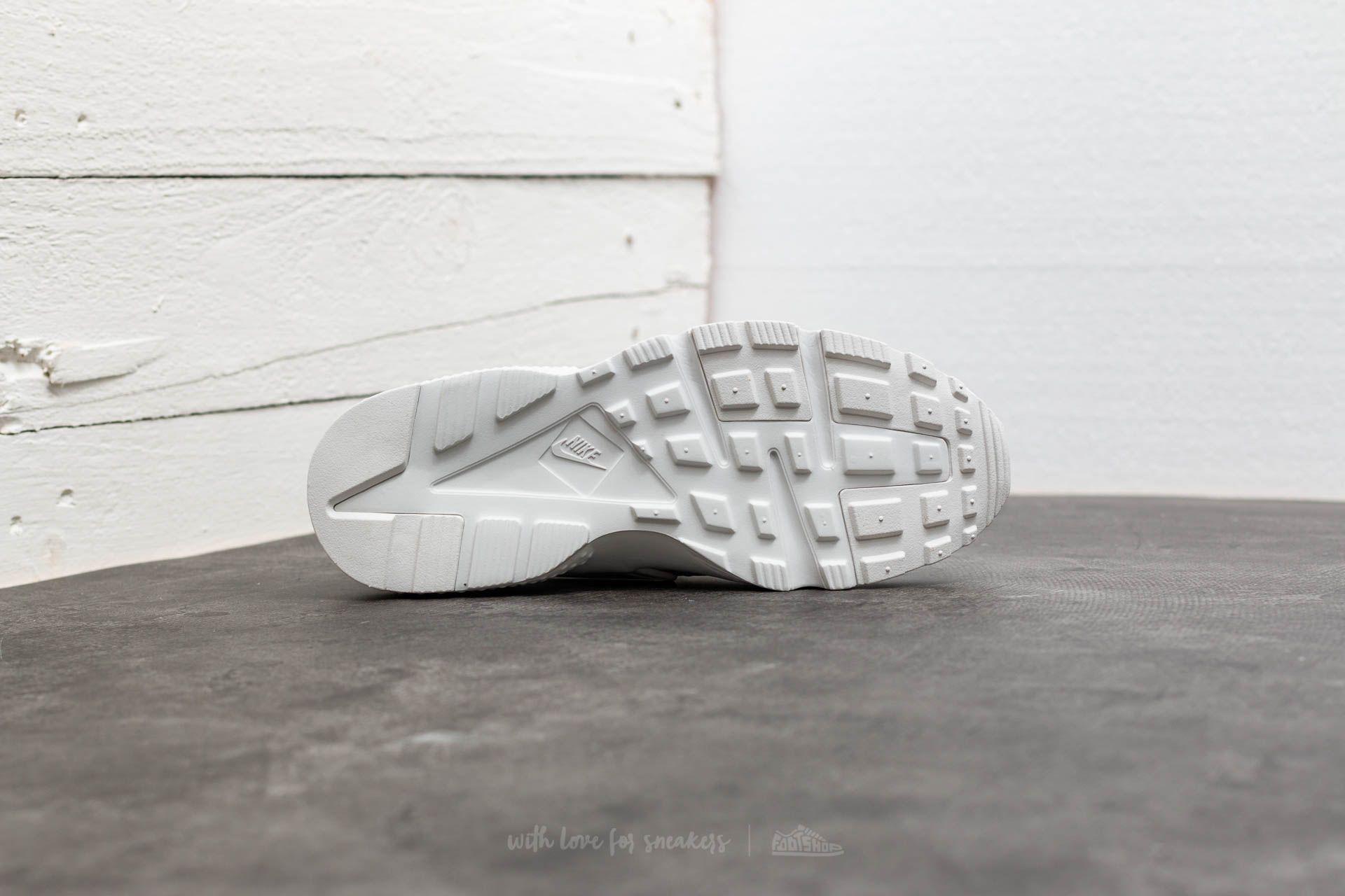 db144e25b348 Lyst - Nike Huarache Run Se (gs) Summit White  Metallic Silver in ...