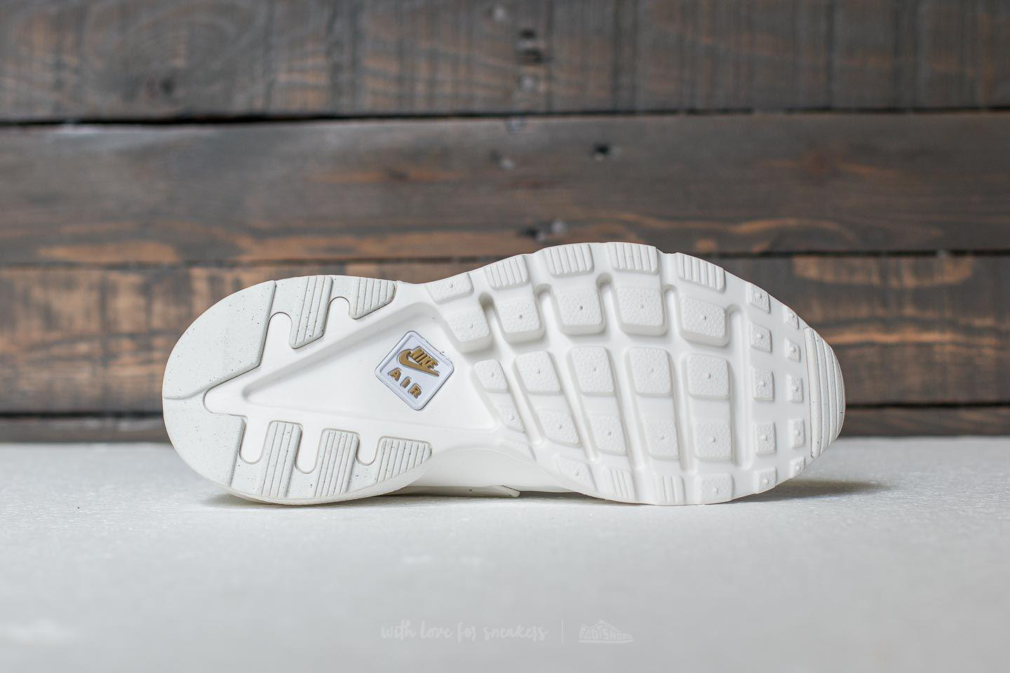 finest selection 6708a 35348 Gallery. Previously sold at  Footshop · Women s Nike Air Huarache