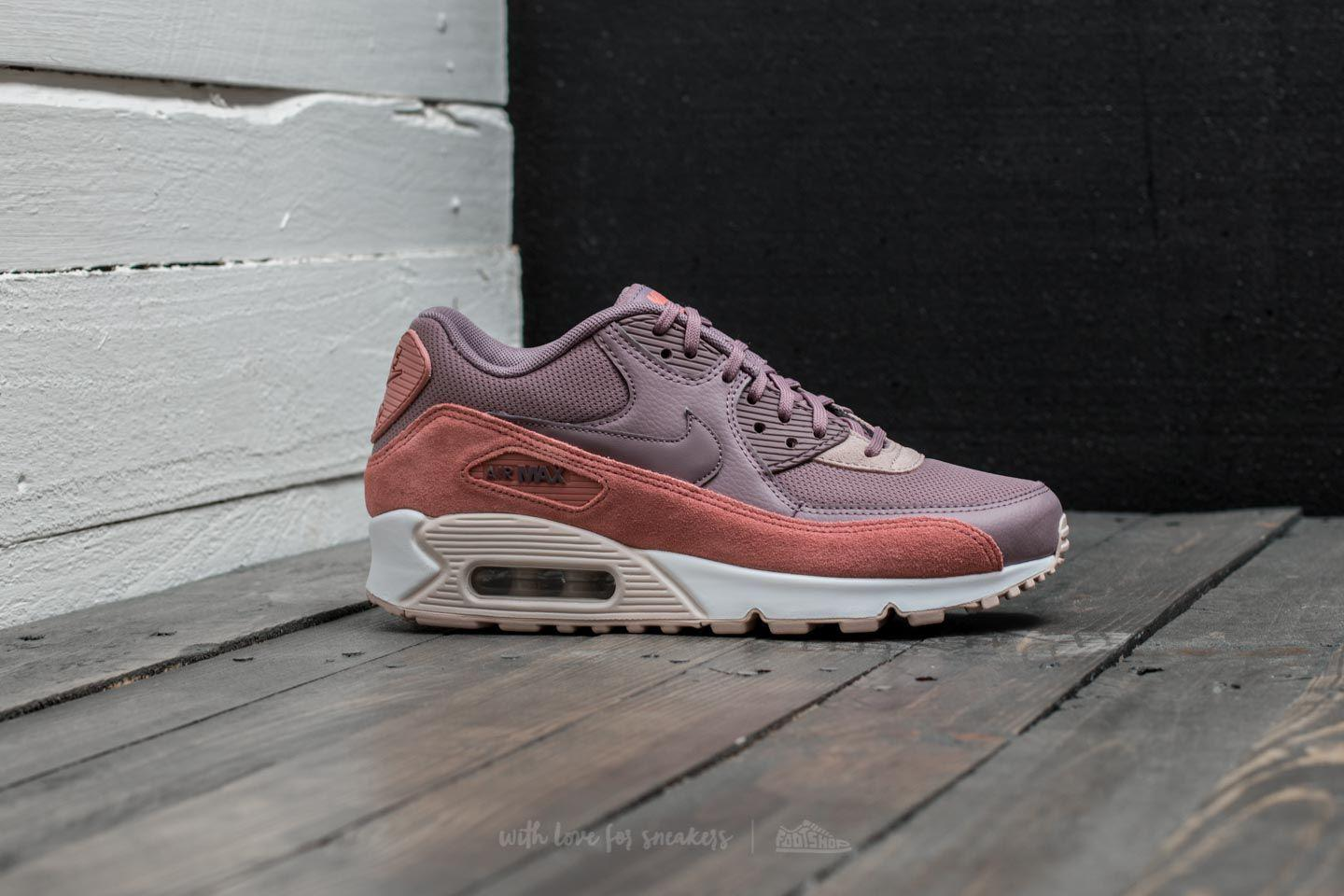 493720d83875 Gallery. Previously sold at  Footshop · Women s Nike Air Max ...