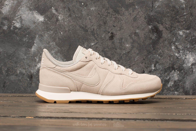 newest c86f6 6e70b Nike Wmns Internationalist Se Light Bone  Light Bone  Phantom - Lyst
