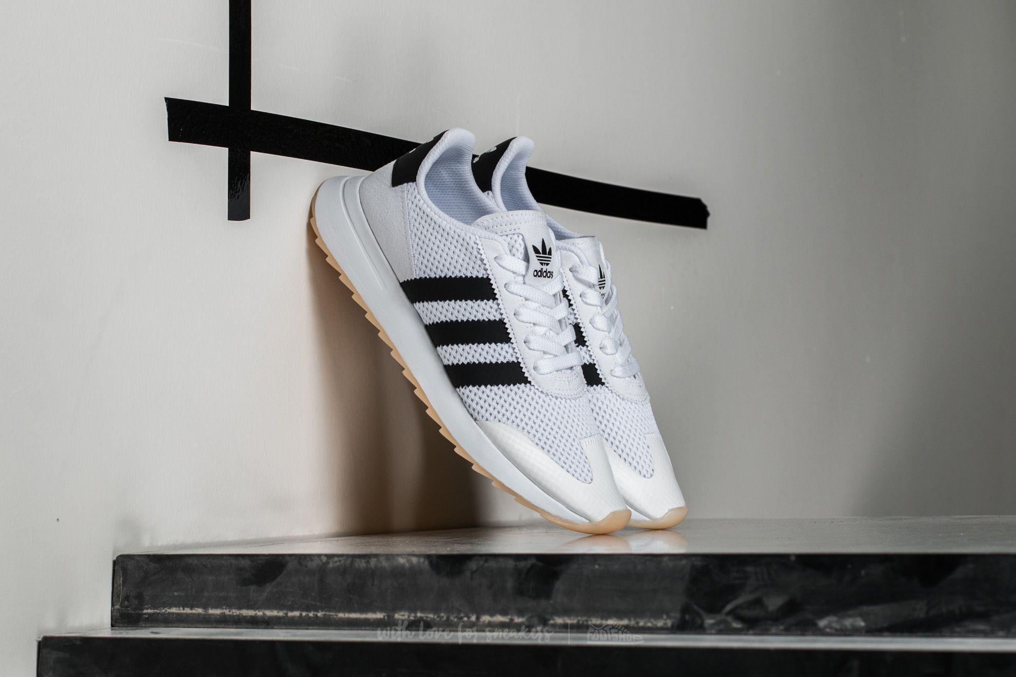 lyst adidas originali adidas flashback w ftw bianco / nucleo nero
