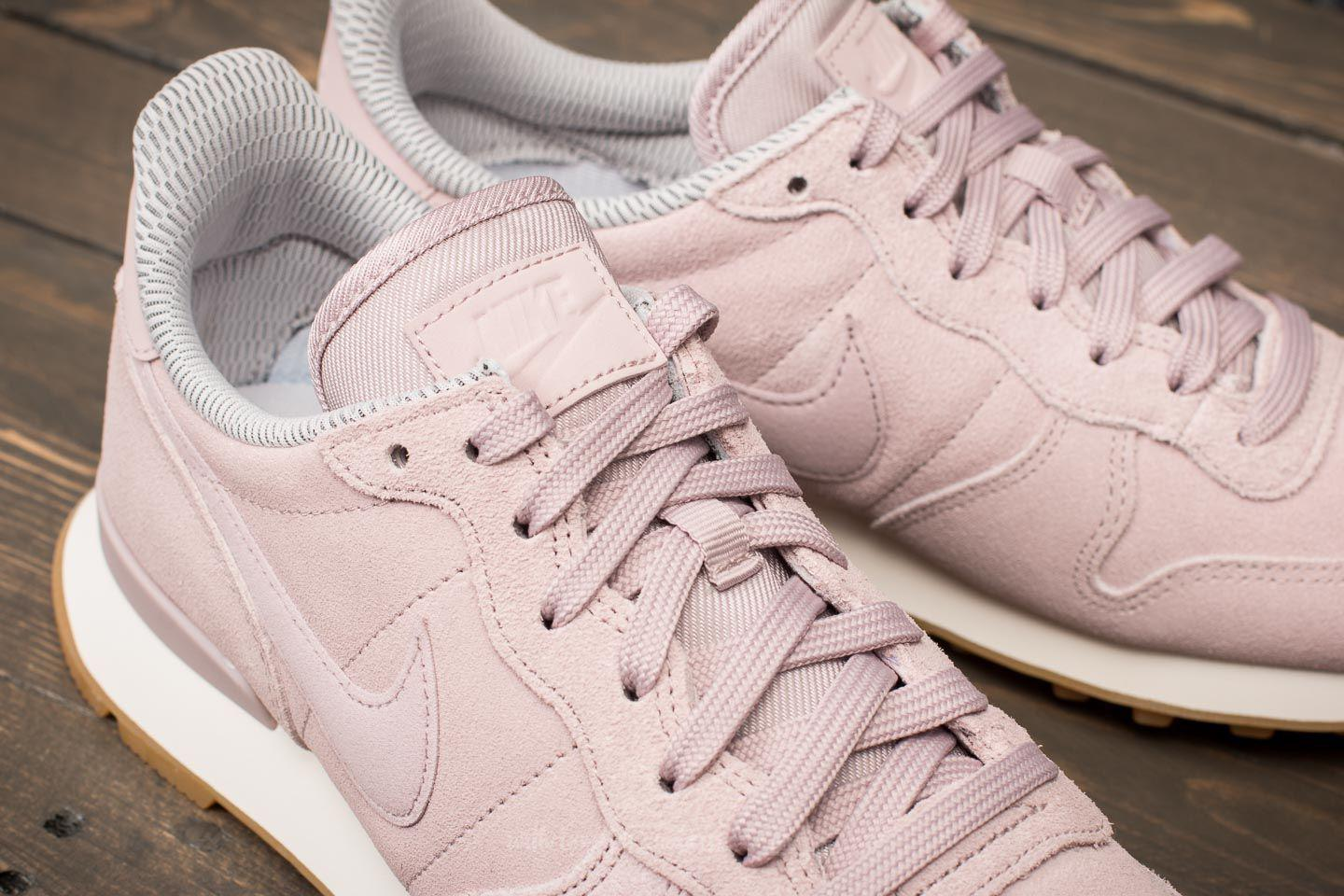 reputable site 9f11f 353e9 ... spain lyst nike w internationalist se particle rose particle rose in  pink 6c5ee 3f035