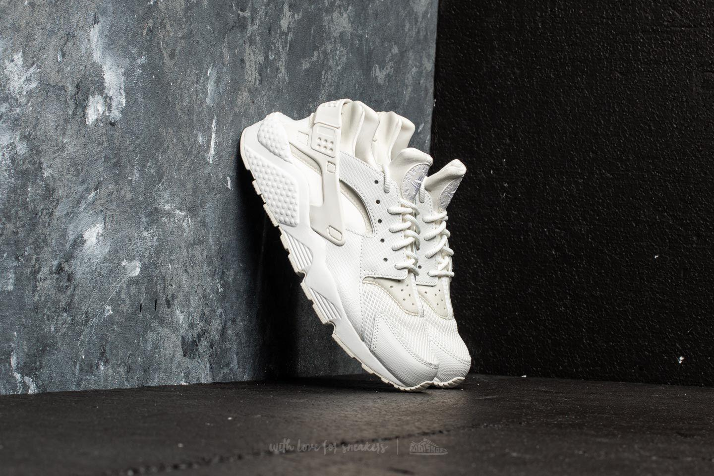 Nike. Women's W Air Huarache Run Se Summit White/ ...