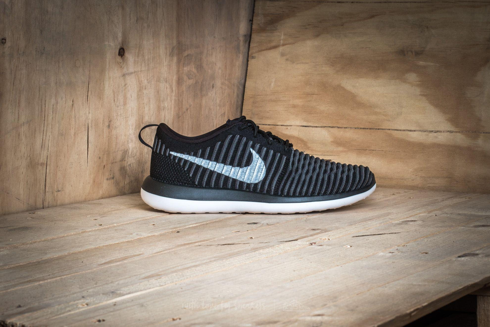 quality design 8e1c3 bf1ce Lyst - Nike Roshe Two Flyknit (gs) Black  White-anthracite-dark Grey ...
