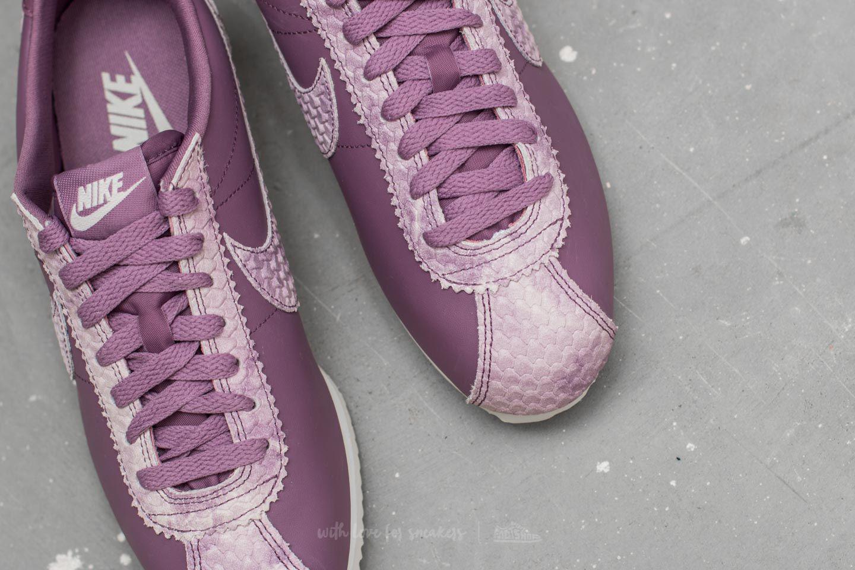 lyst nike cortez wmns classico premio violet polvere / violet polvere vela