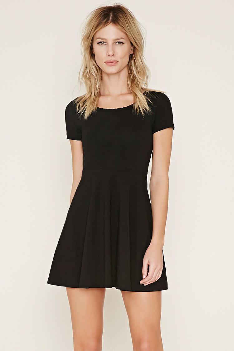 Forever 21 Scalloped Skater Dress in Black | Lyst