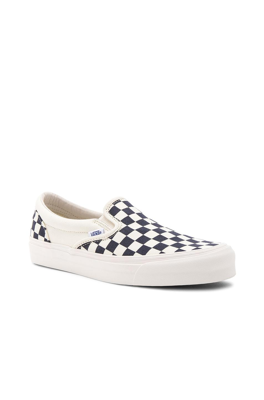 vans black & white checkerboard slip on canvas skate shoes