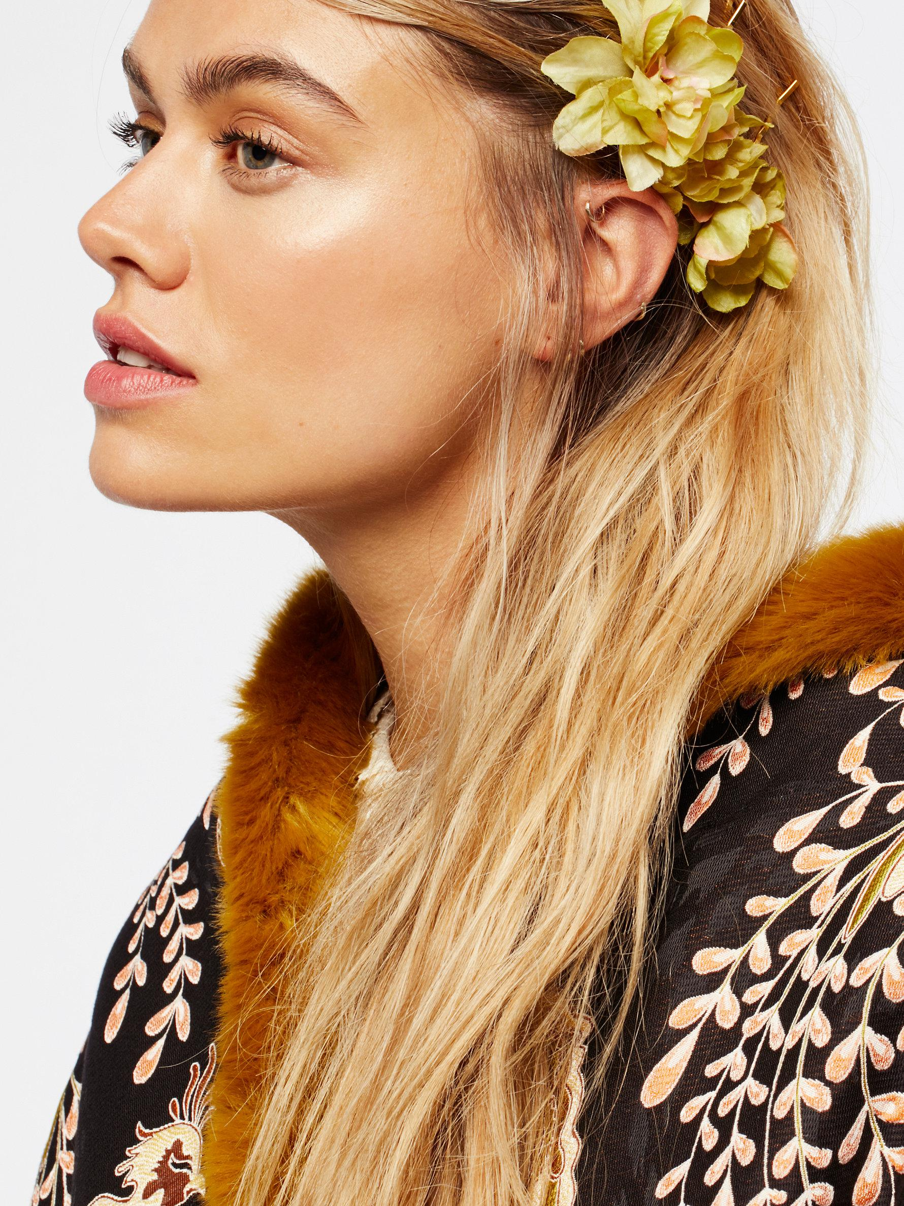 Lyst Free People Franny Flower Hair Pins In Yellow