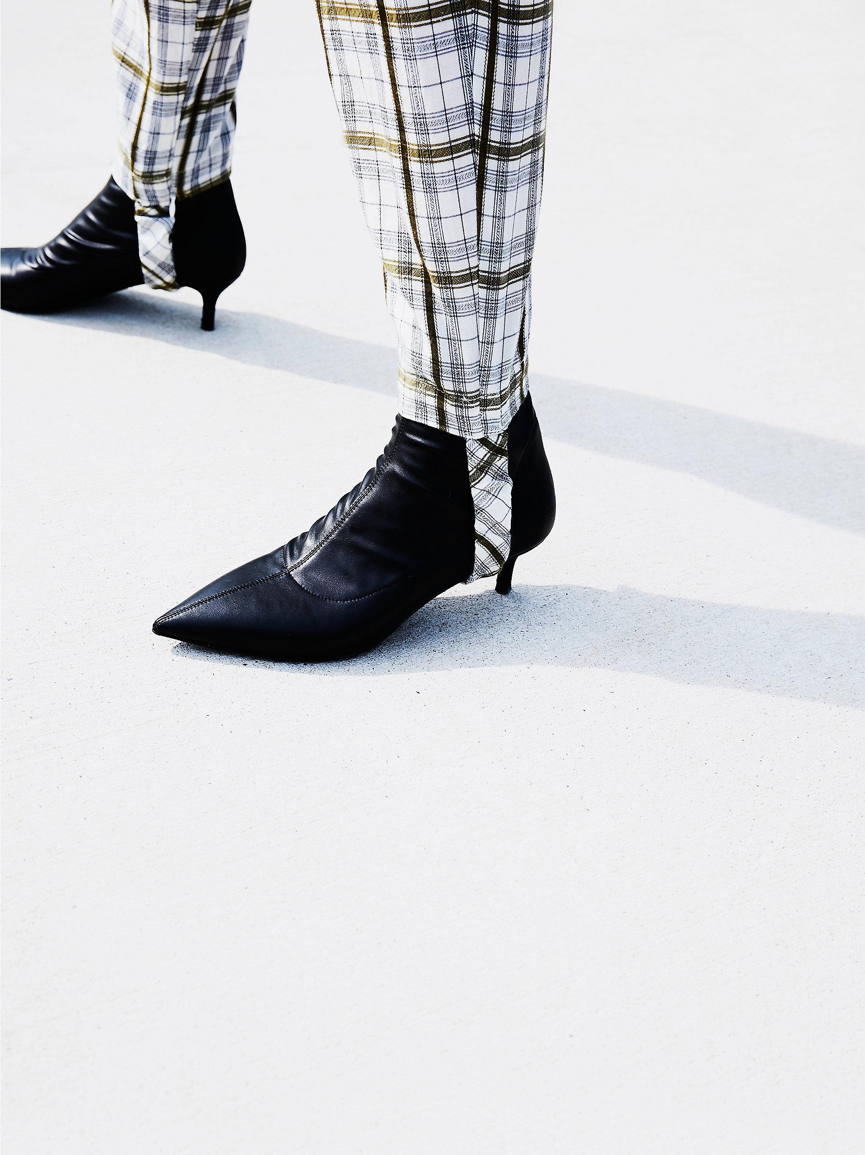 7c6ff892fee Lyst - Free People Marilyn Kitten Heel Boot in Black