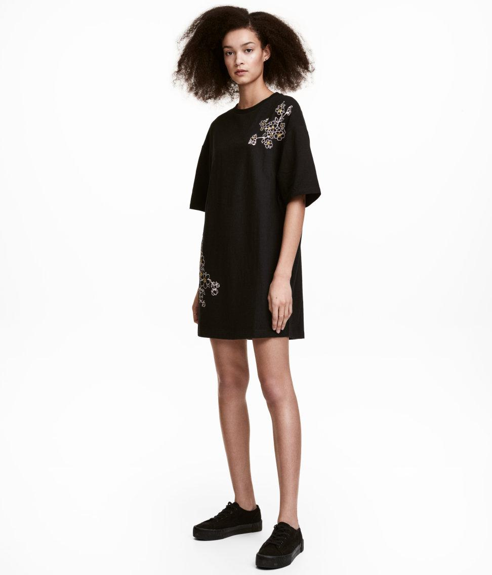 cc8ae14379 H M T-shirt Dress With Embroidery in Black - Lyst