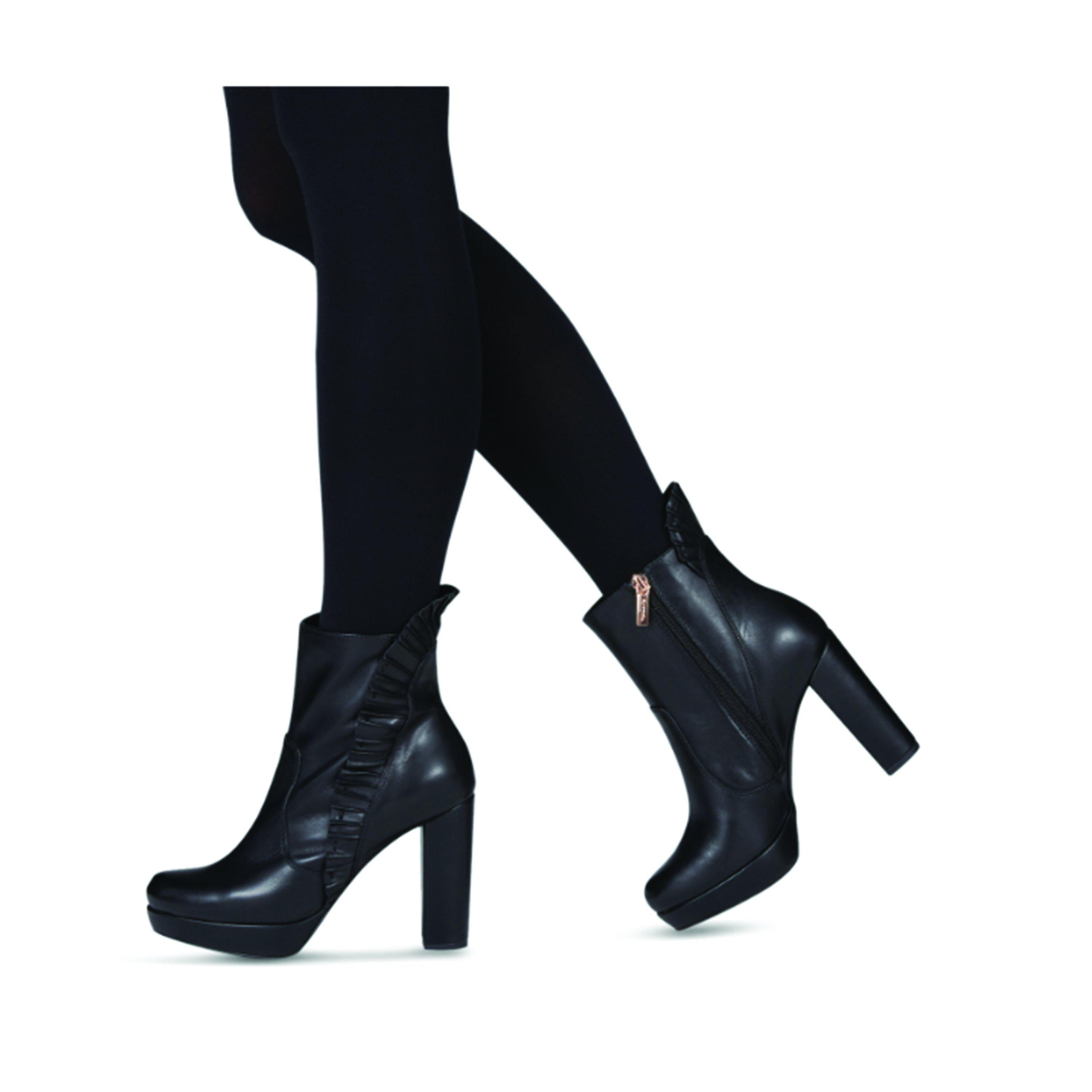 a790e68cb08 Tamaris Black Leather Platform Ankle Boot in Black - Lyst