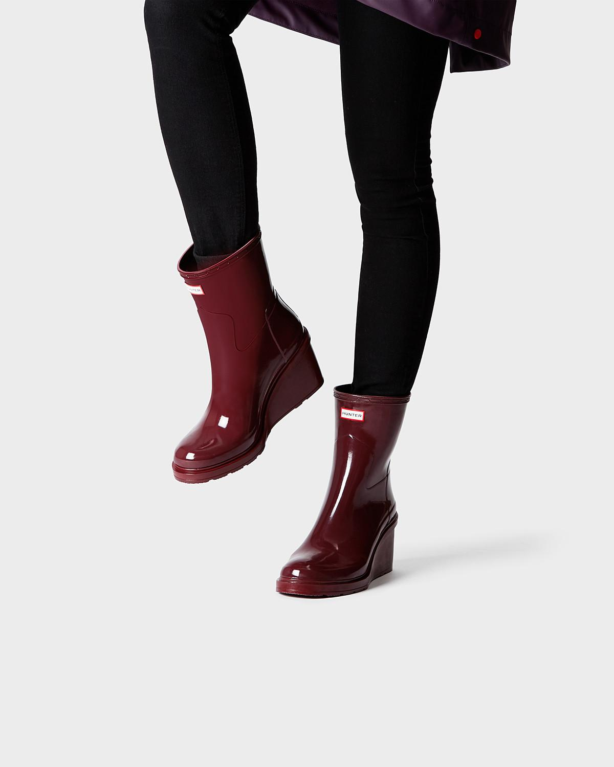 hunter womens original refined wedgesole boots in red lyst