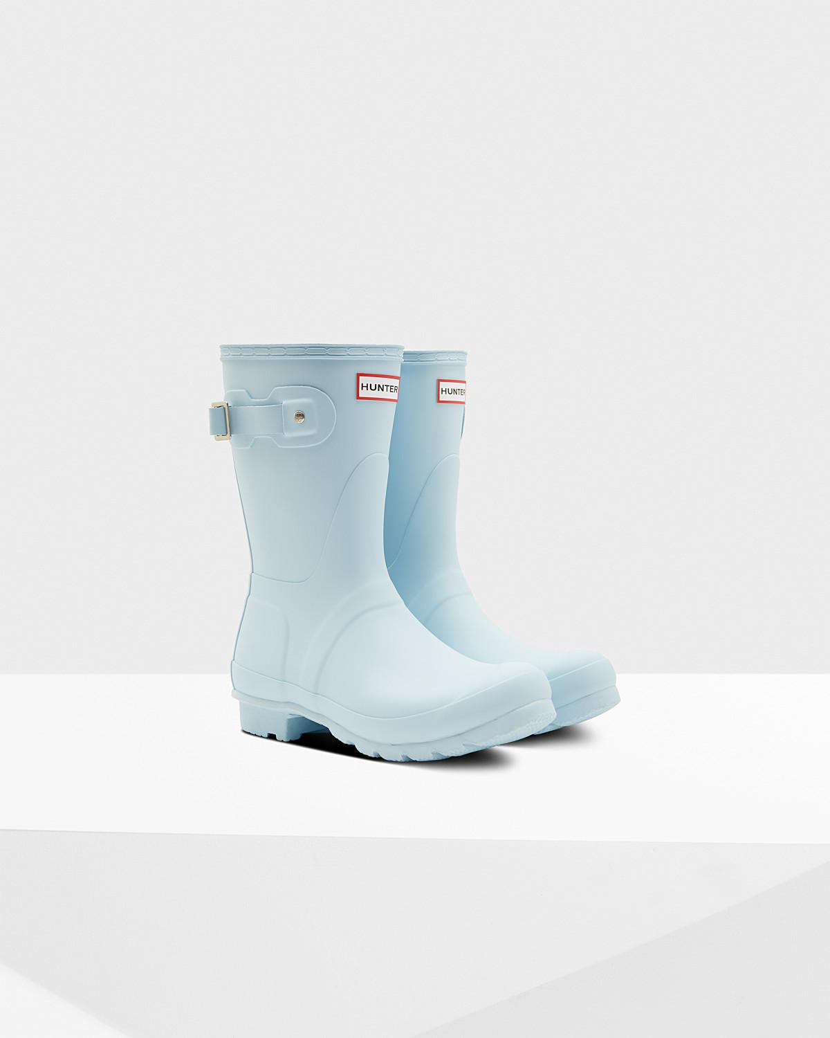 4943f74e465 Lyst - HUNTER Original Short Wellington Boots in Blue
