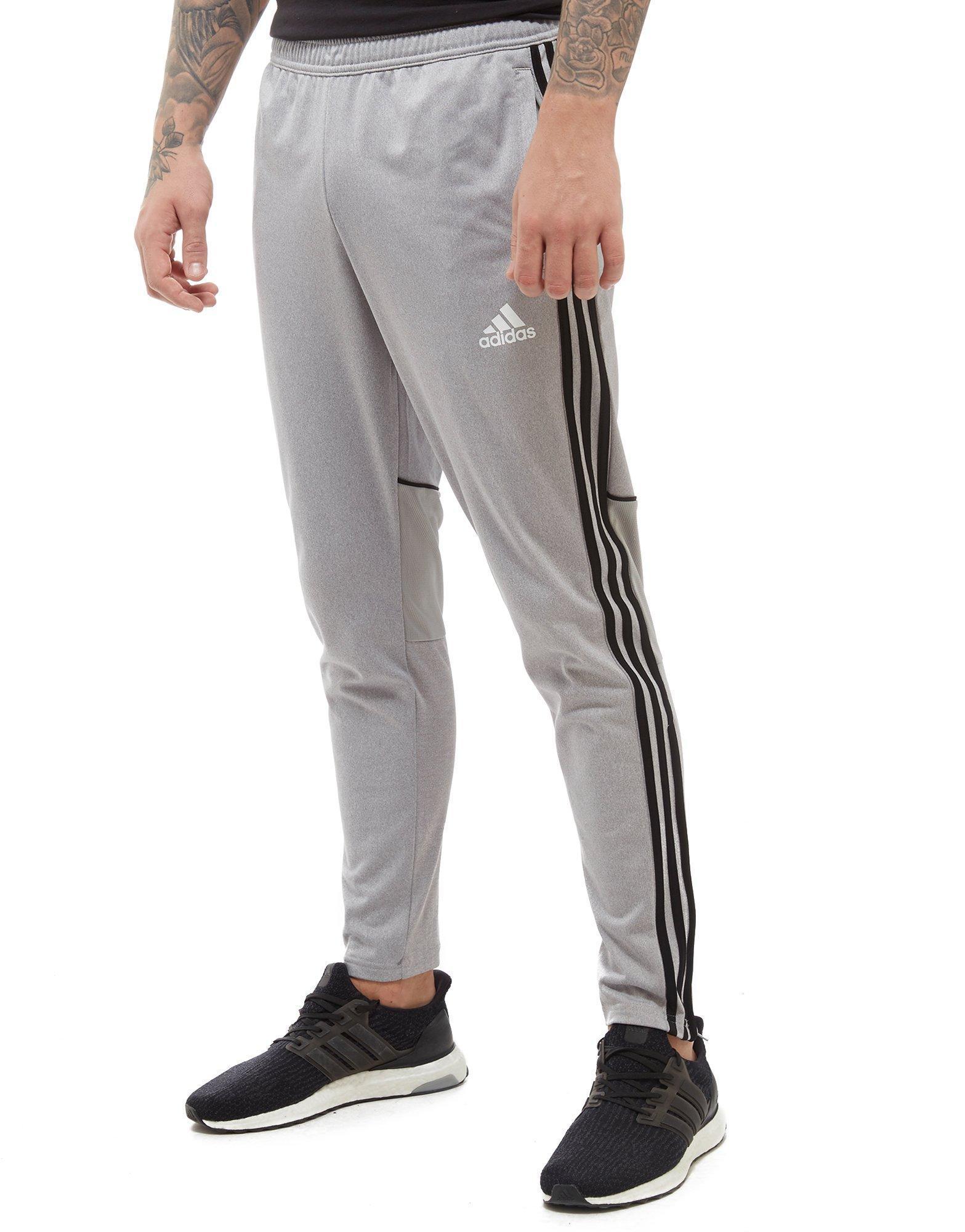 Adidas Tango Pantaloni In Grigio Per Gli Uomini Lyst