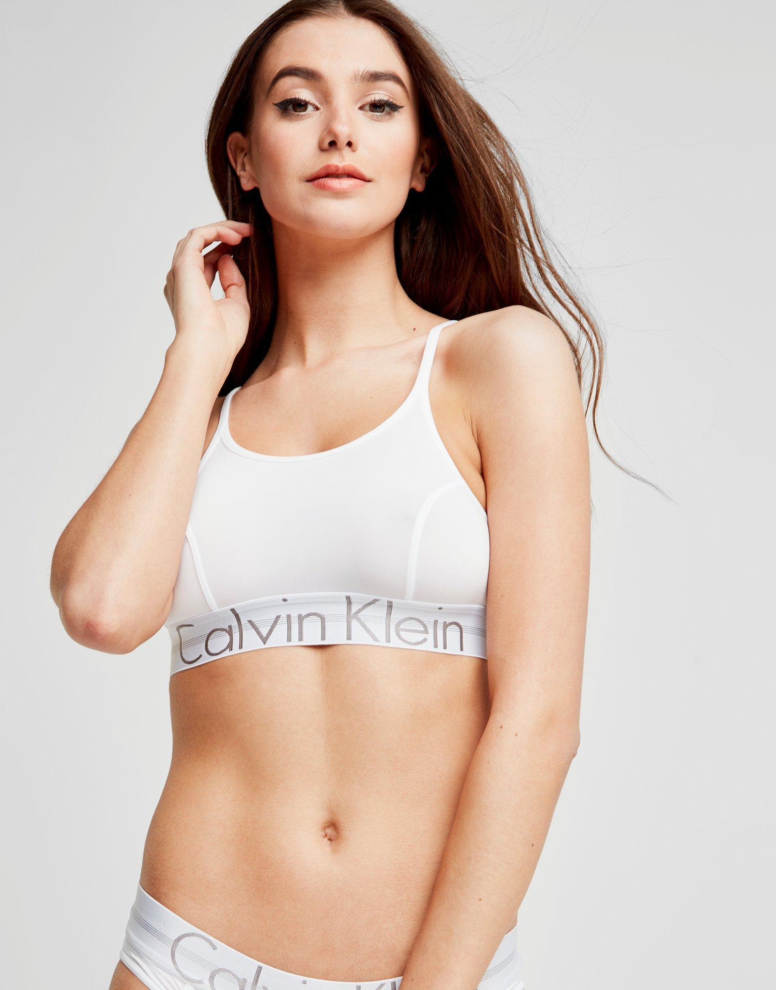 96130b39ea3b6c Calvin Klein Focused Fit Bra in White - Lyst