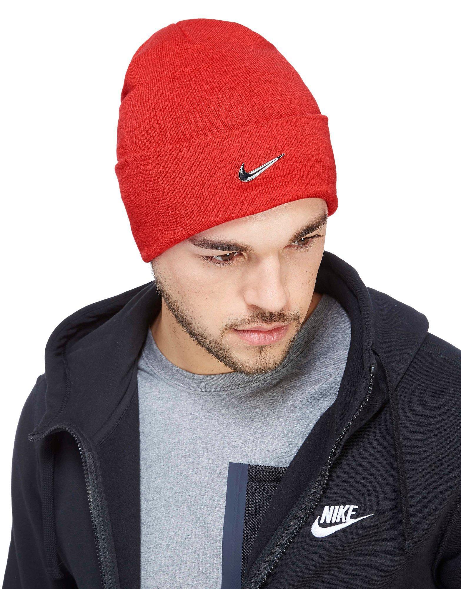15076e17e0 Nike Swoosh Beanie Hat in Red for Men - Lyst
