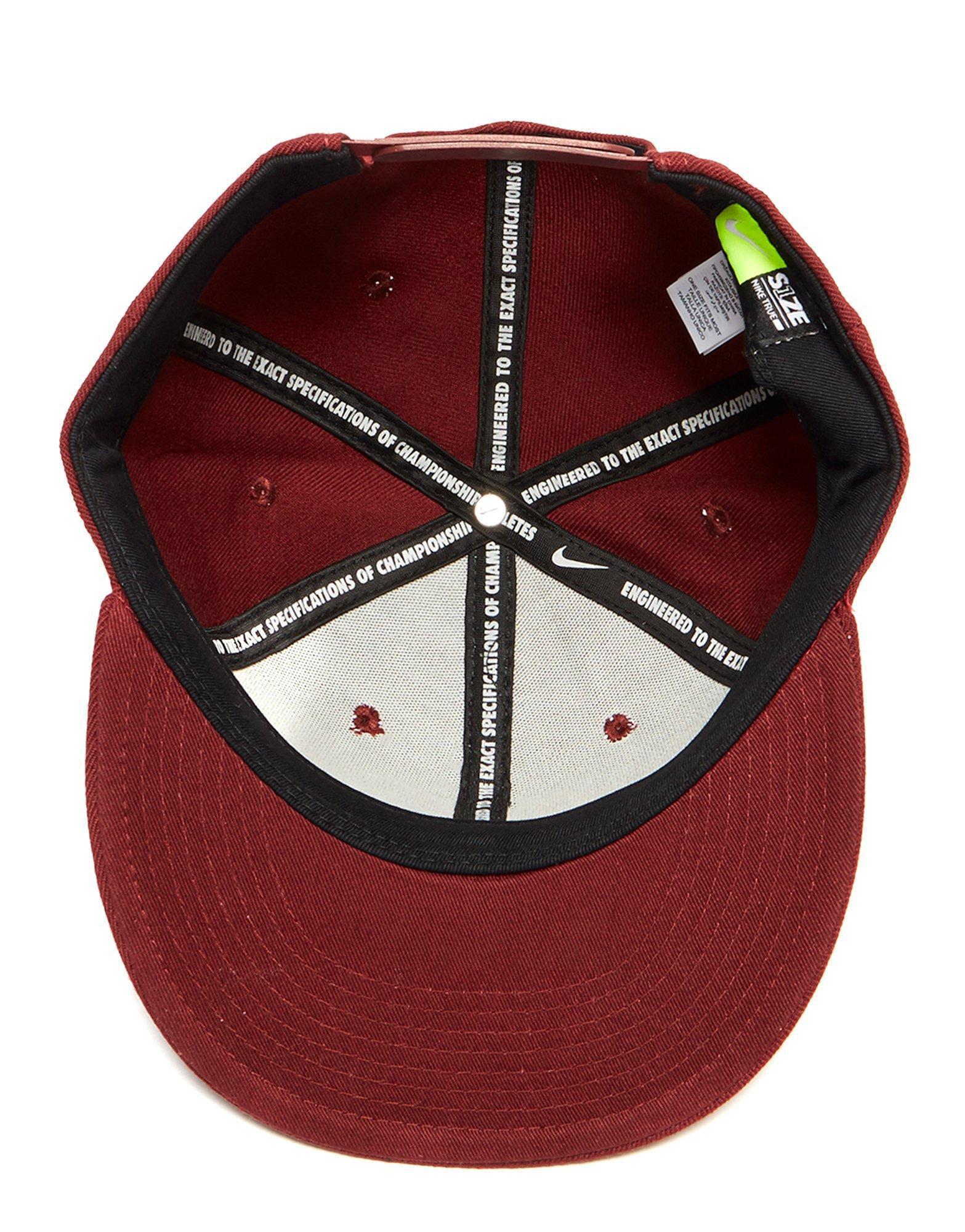 Nike Futura True 2 Snapback Cap in Red for Men - Lyst c38d183f560d