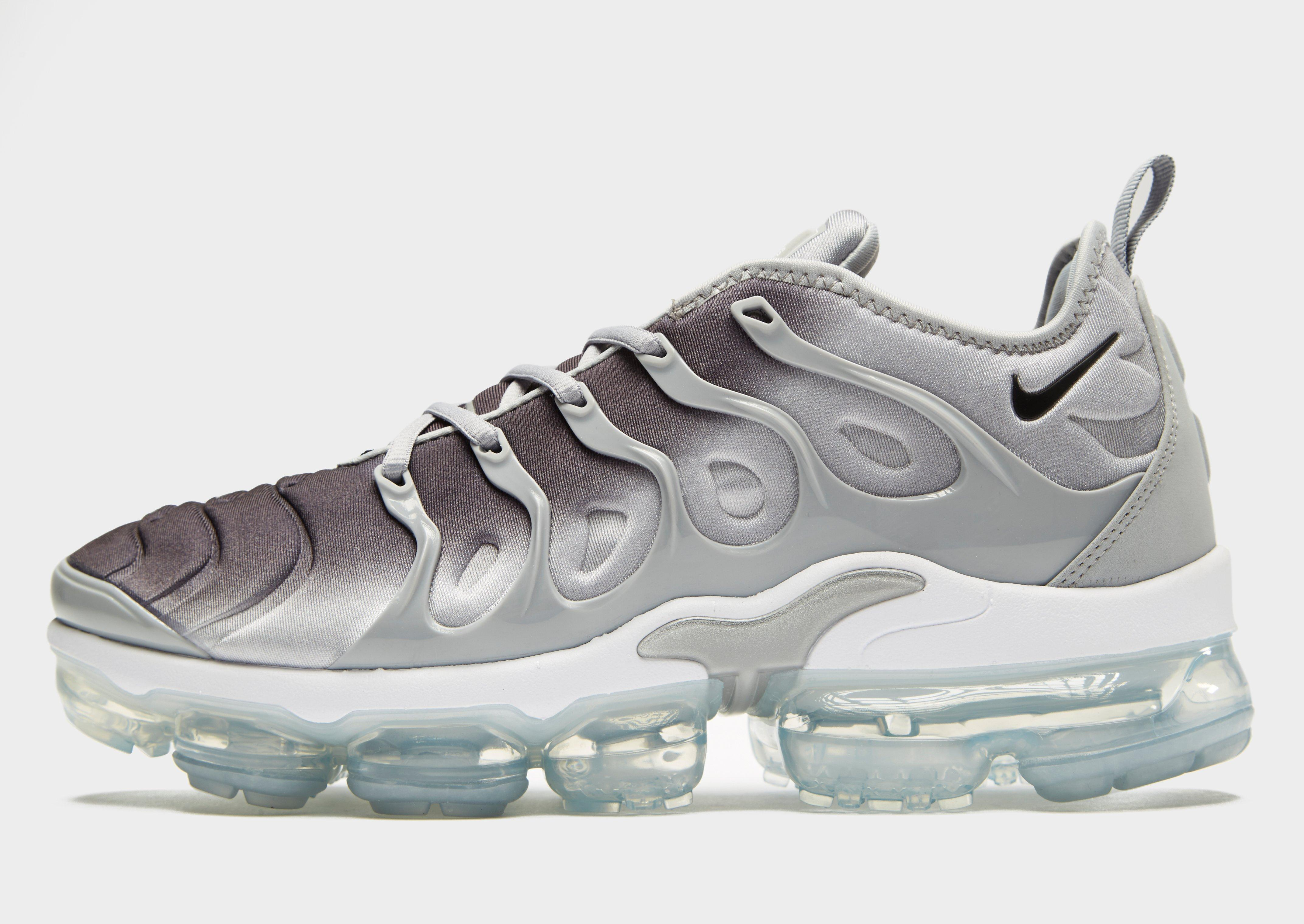 1bfce13ac08 Lyst - Nike Air Vapormax Plus in Gray for Men