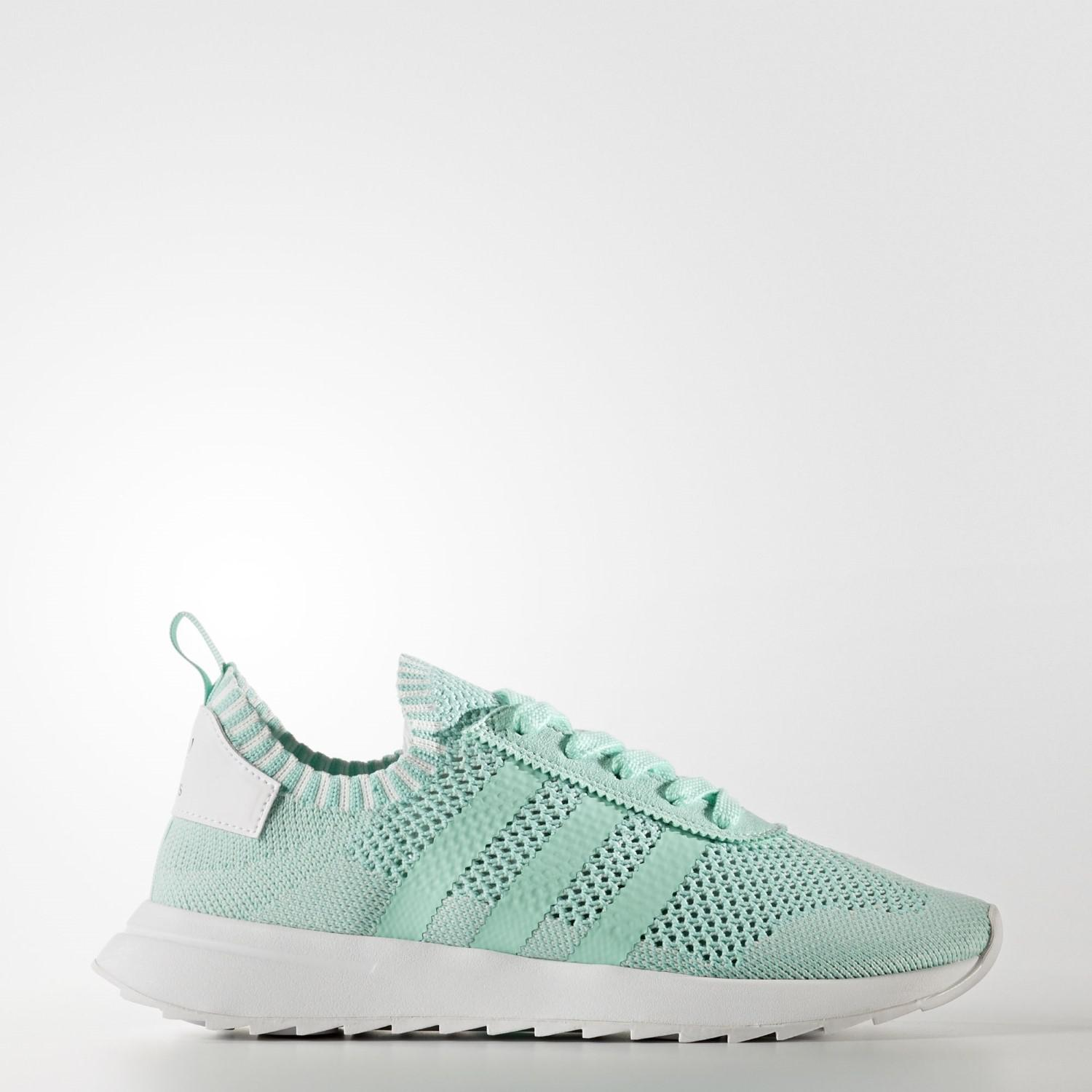 new product ee1c1 34c4e Lyst - adidas Originals Primeknit Flashback Shoes in Green