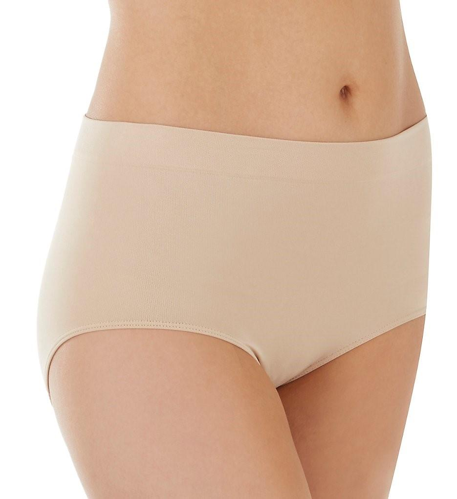 a2c11647f06b Bali. Women's Natural 2361 One Smooth U All-around Smoothing Brief Panty
