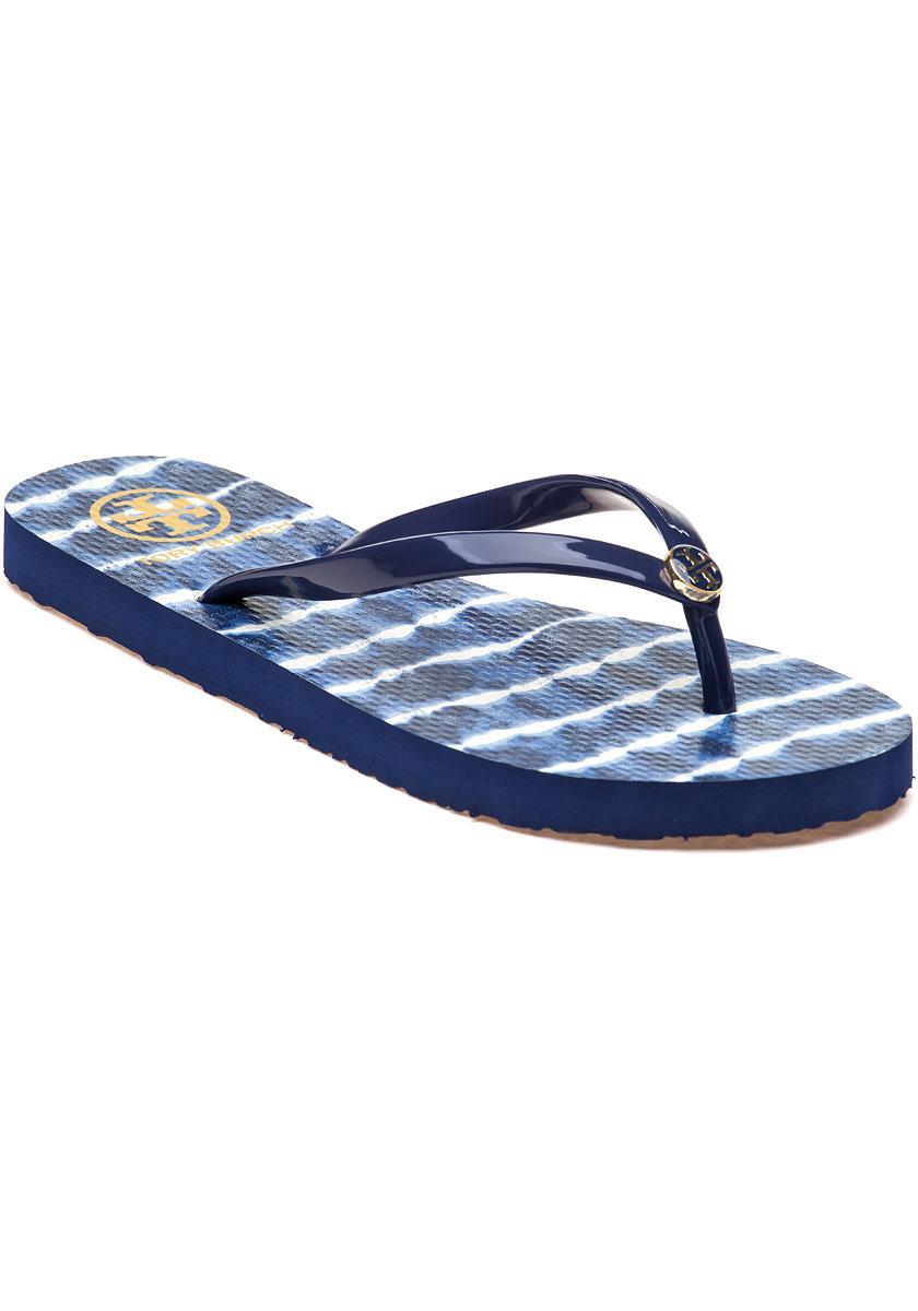 694e211d95b8 Lyst - Tory Burch Classic Flip-flop Navy Sea ziggy Rubber in Blue