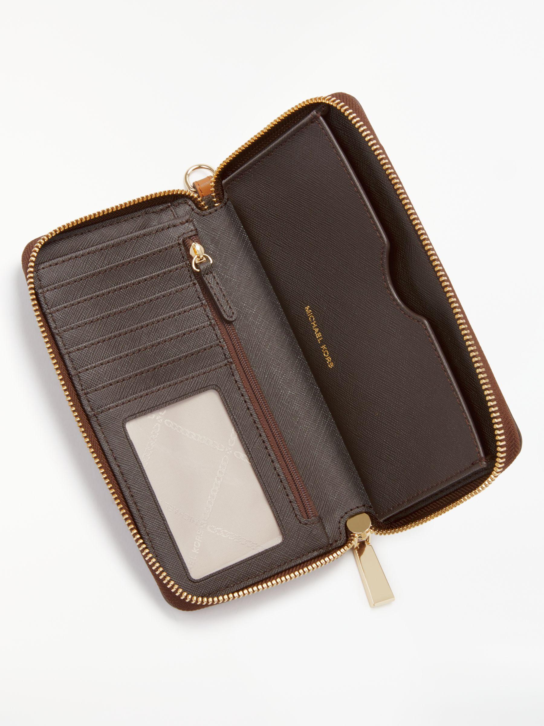 c9b4b8d6b88a Michael Kors Michael Jet Set Signature Travel Iphone Case Purse in Brown -  Lyst