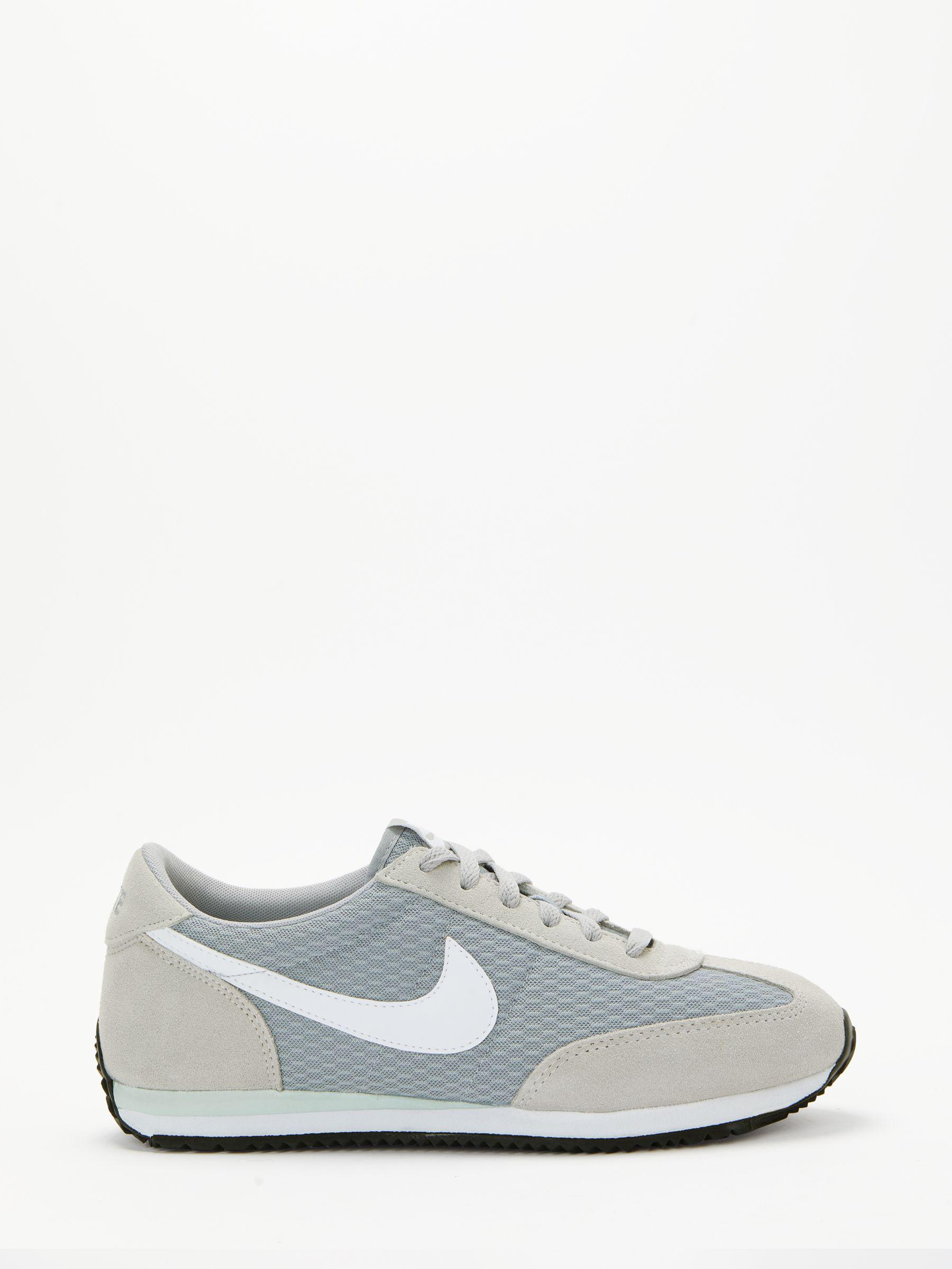 46e6315f3c1b Nike Oceania Textile Women s Trainers in Gray - Lyst