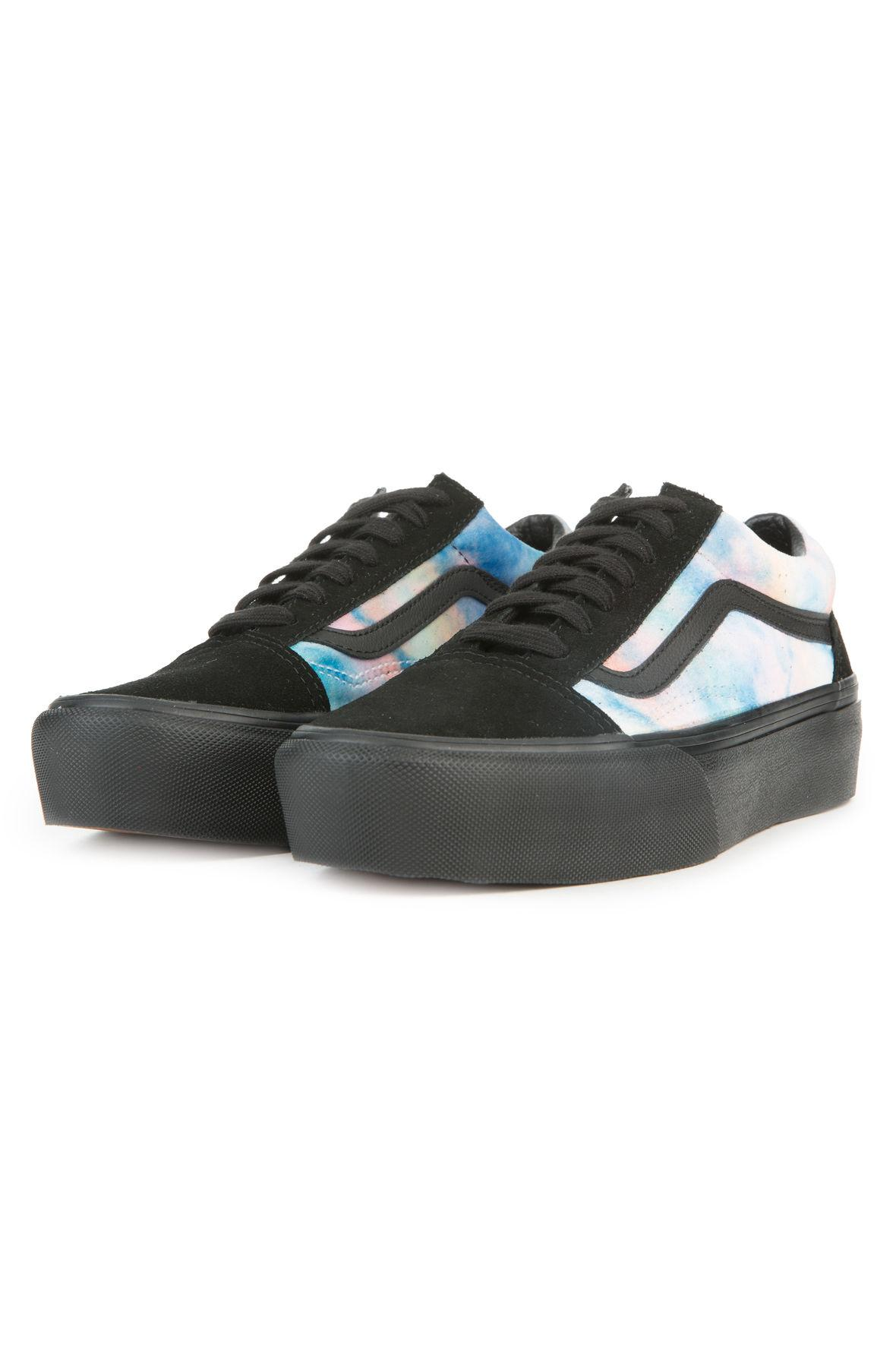 1f3fd61931 Lyst - Vans The Women s Old Skool Platform In Velvet Tie Dye Multi ...