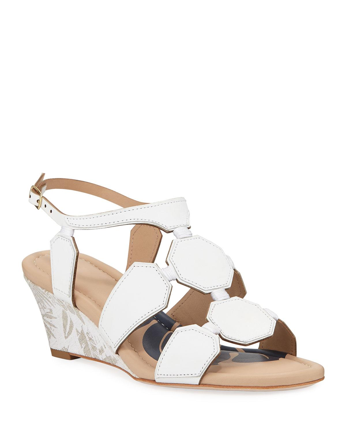 c68689b3d Lyst - Tommy Bahama Ivy Beach Geometric Wedge Sandals in White ...