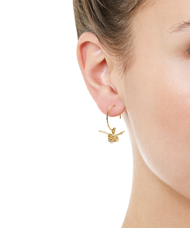 Lyst Alex Monroe Gold Plated Flying Bee Pearl Hoop Earrings In Metallic