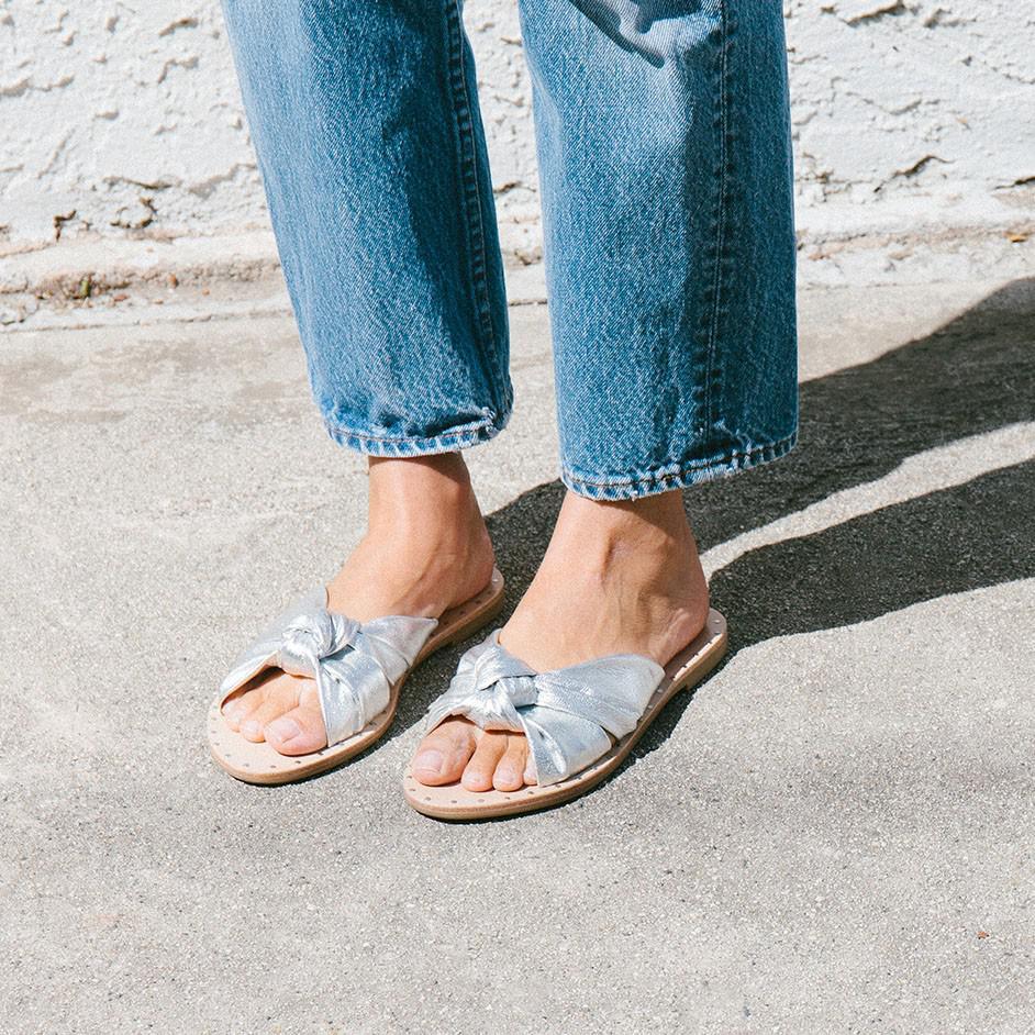 Loeffler Randall Lucia Studded Knot Metallic Leather Slide Sandals Tb0ZUYN
