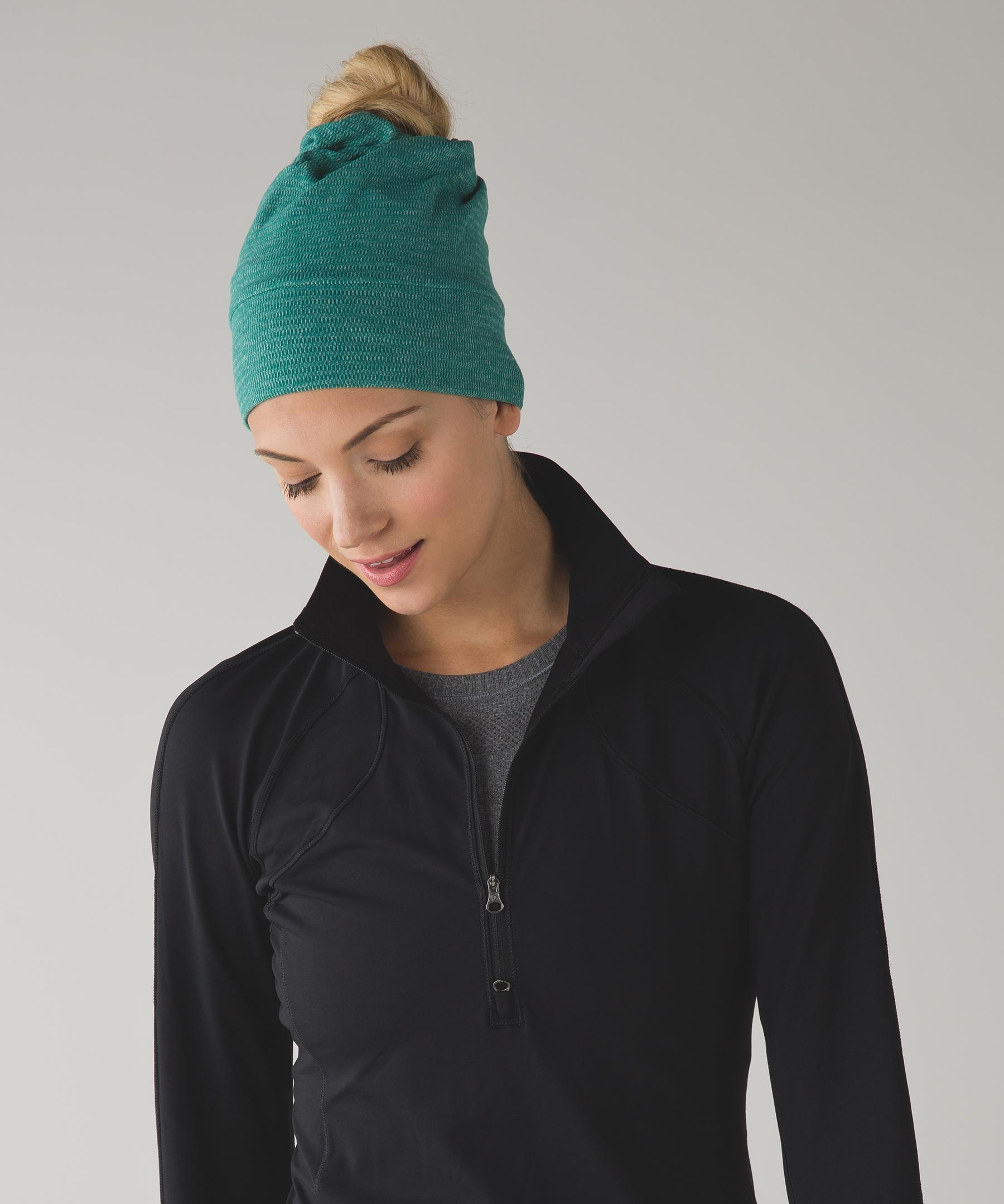 lululemon athletica Top Knot Toque in Green - Lyst 8bea7675d83