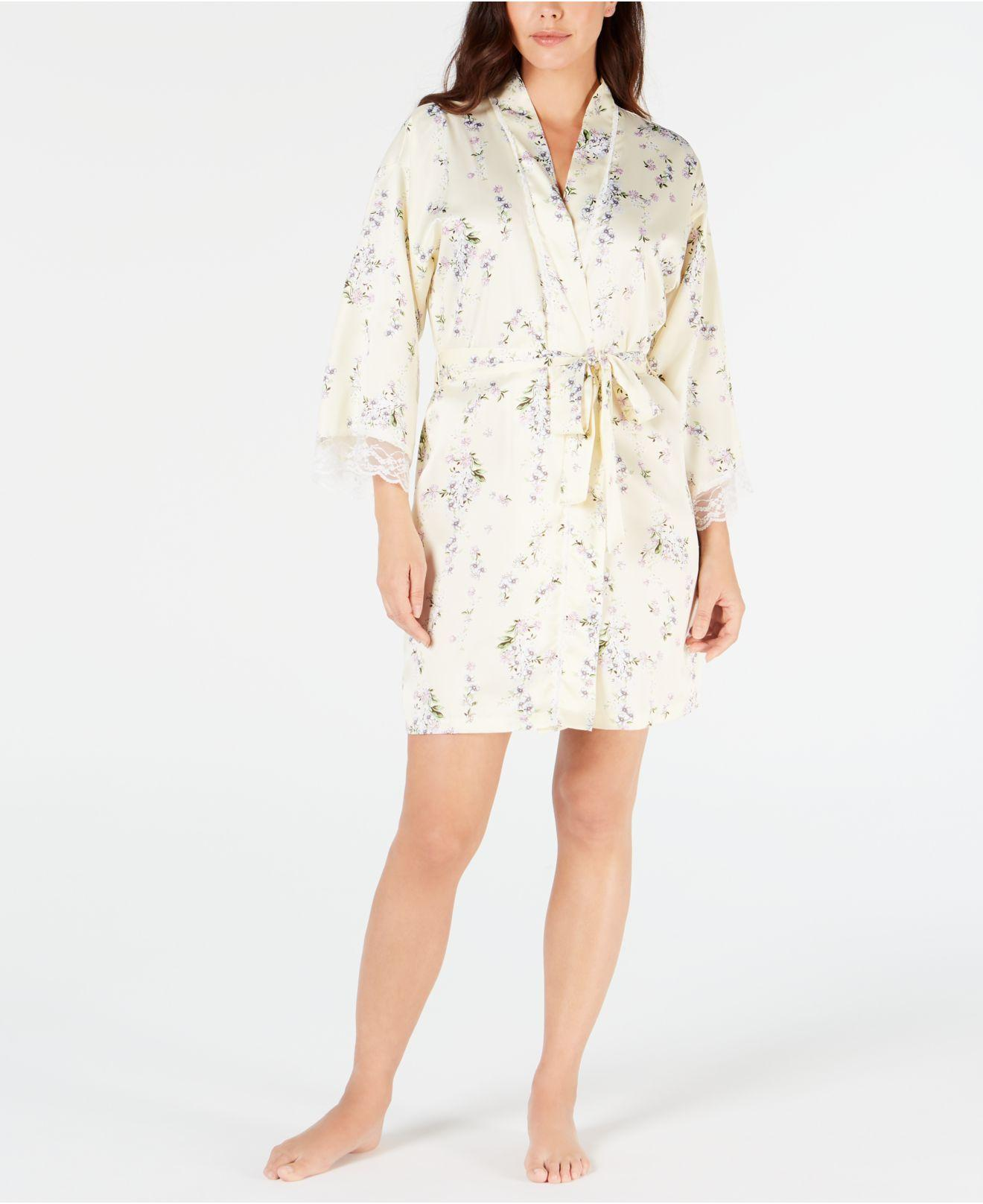 93b5989816 Lyst - Linea Donatella Short Sherelle Floral Wrap Robe in Yellow