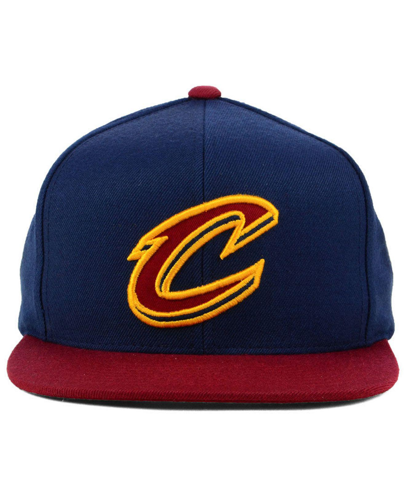 16ce1bc9f18 Lyst - Mitchell   Ness Cleveland Cavaliers Curved Mesh Snapback in Blue for  Men