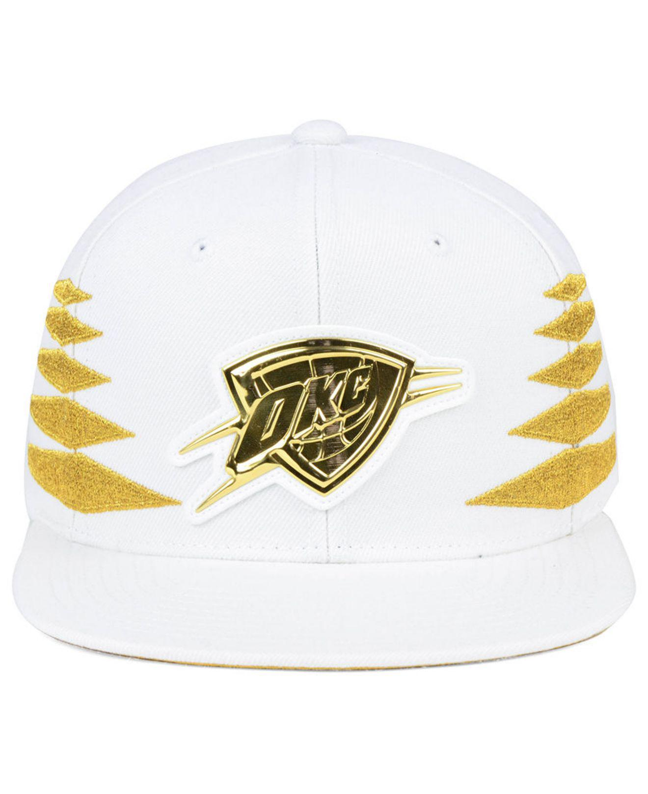 promo code ee89a d6100 Mitchell   Ness Oklahoma City Thunder Gold Diamonds Snapback Cap in ...