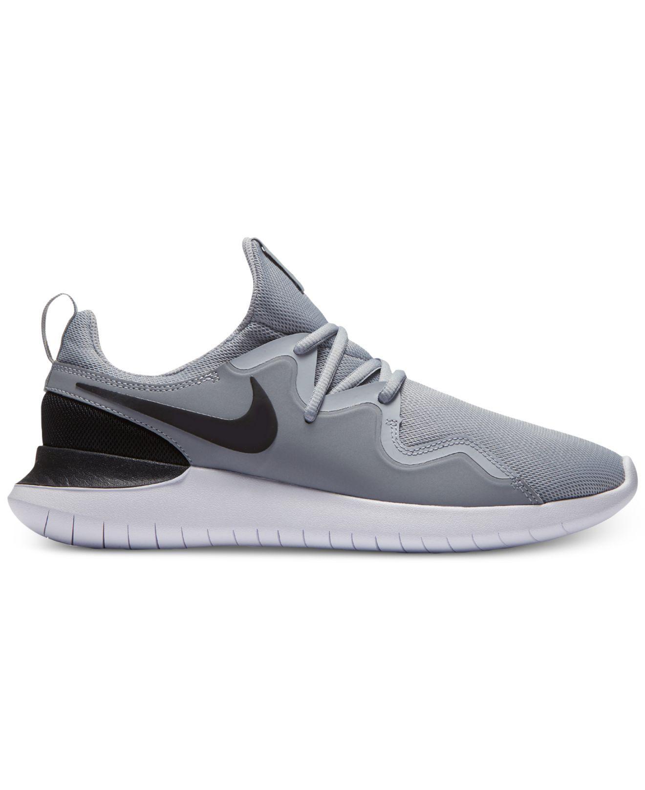 lyst nike tessen casual scarpe dal traguardo in grigio per gli uomini.