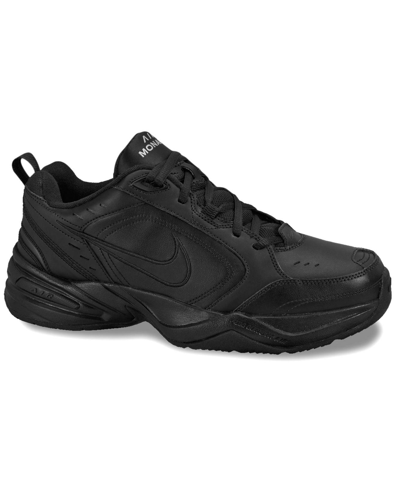 lyst nike air monarca iv scarpe dal traguardo in nero per gli uomini.