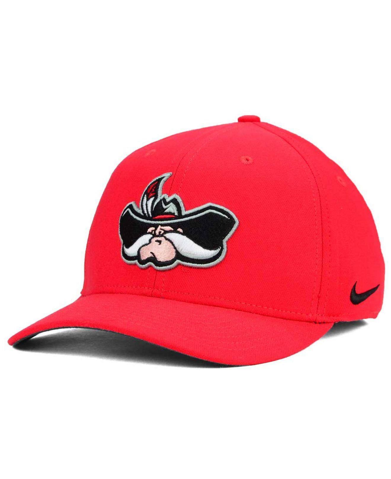 reputable site 40200 192b6 Nike. Men s Red Unlv Runnin  Rebels Classic Swoosh Cap