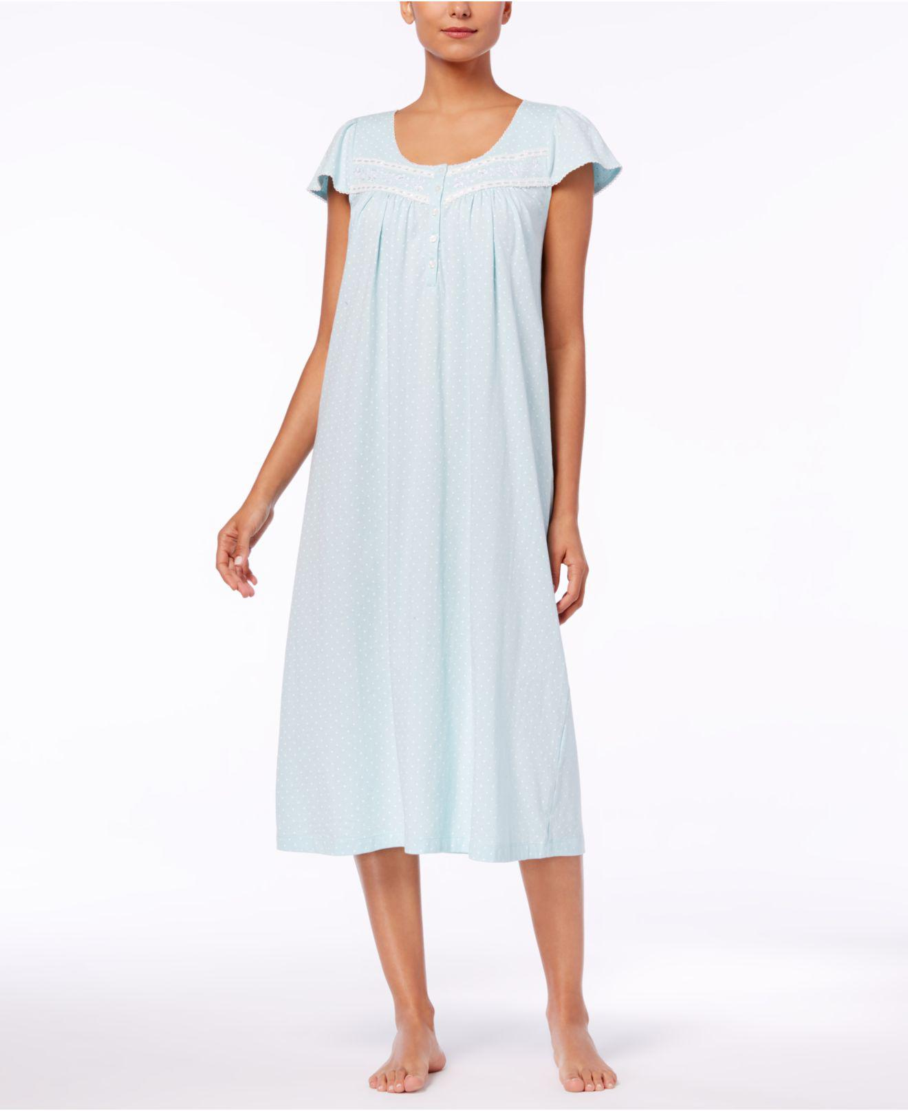 The precursor to the modern-day nightgowns for women is the chemise, the 30% Off Classic Brands· Free Shipping Over $70· Bra Size Calculator· + Brand Names9,+ followers on Twitter.