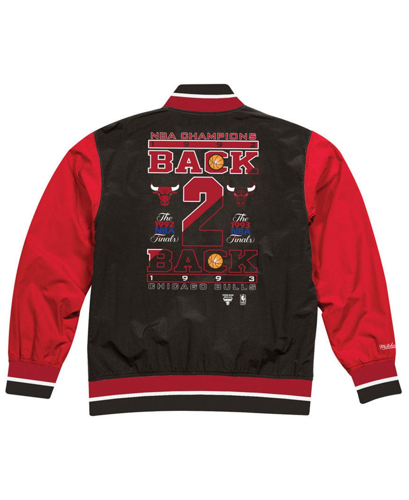 13a4bba2d25 Mitchell   Ness Chicago Bulls History Warm Up Jacket in Red for Men - Lyst