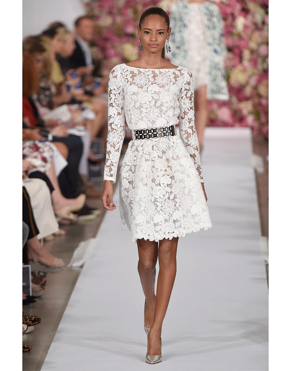 6ee428bec76 Lyst - Oscar de la Renta Floral Lace Belted Dress in White