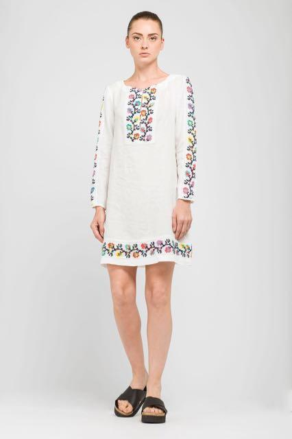 1fbe876bd3 Gallery. Previously sold at  Marissa Collections · Women s White Linen  Dresses ...