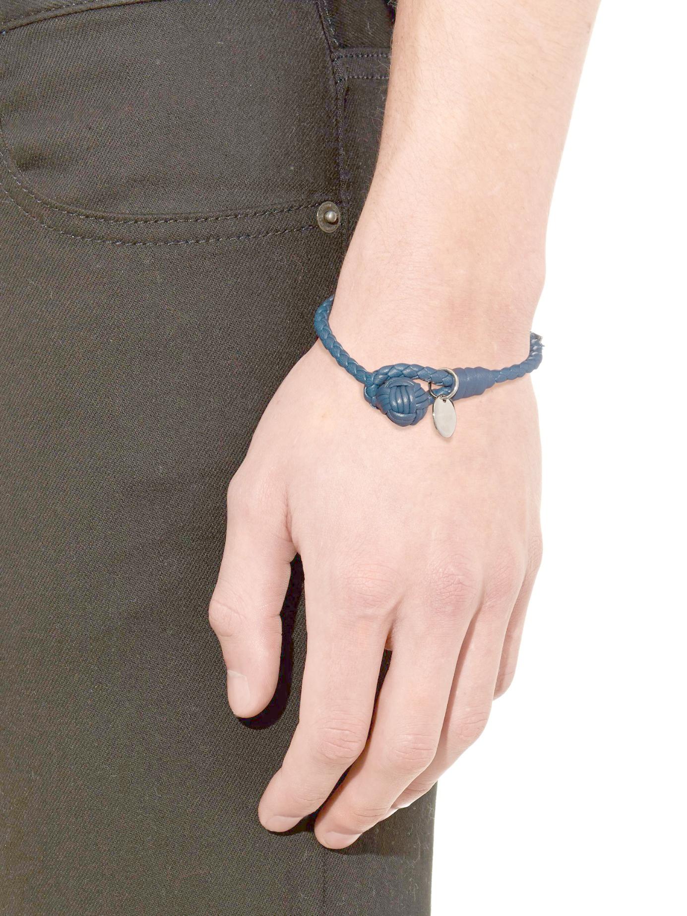 veneta black single men Buy bottega veneta men's black nero intrecciato nappa bracelet, starting at $351 similar products also available sale now on.