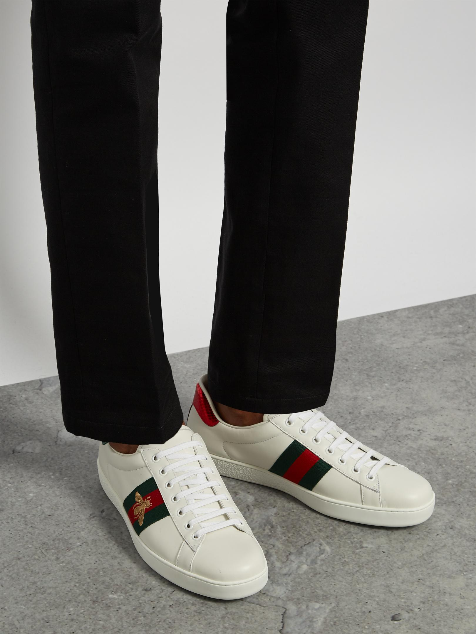 2e949ddd315 Lyst - Gucci Ace Bee-embroidered Low-top Leather Trainers in White ...