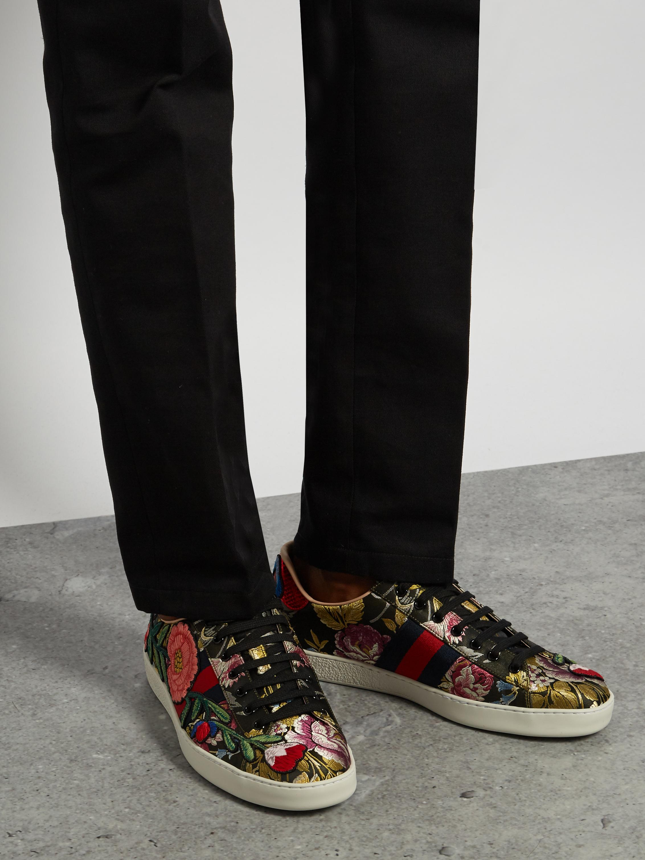 34ec9c5a219 Lyst - Gucci Ace Low-top Floral-jacquard Trainers in Black for Men