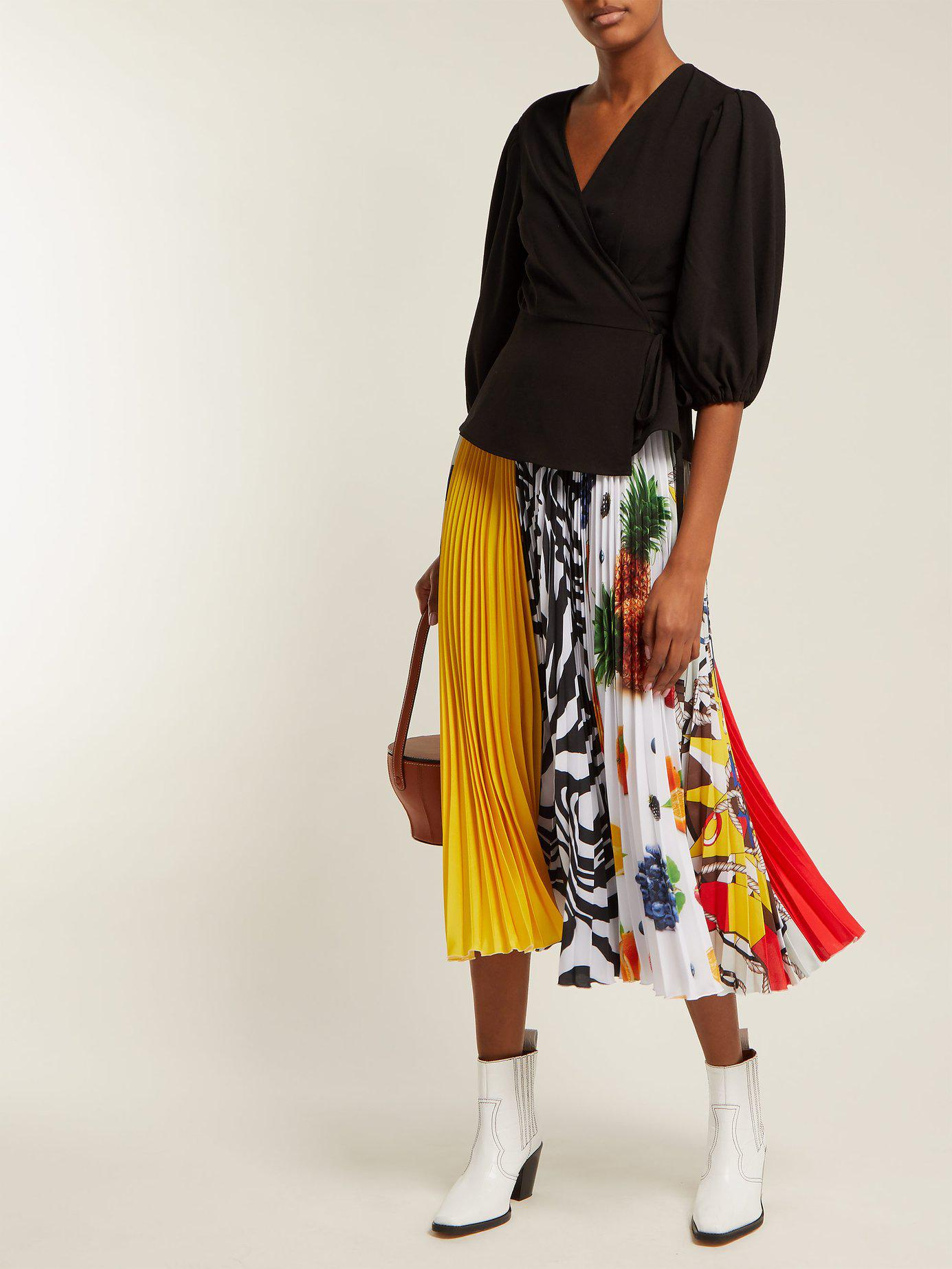 0ba08df94ef0ec Lyst - Msgm Fruit Print Pleated Crepe Midi Skirt - Save ...